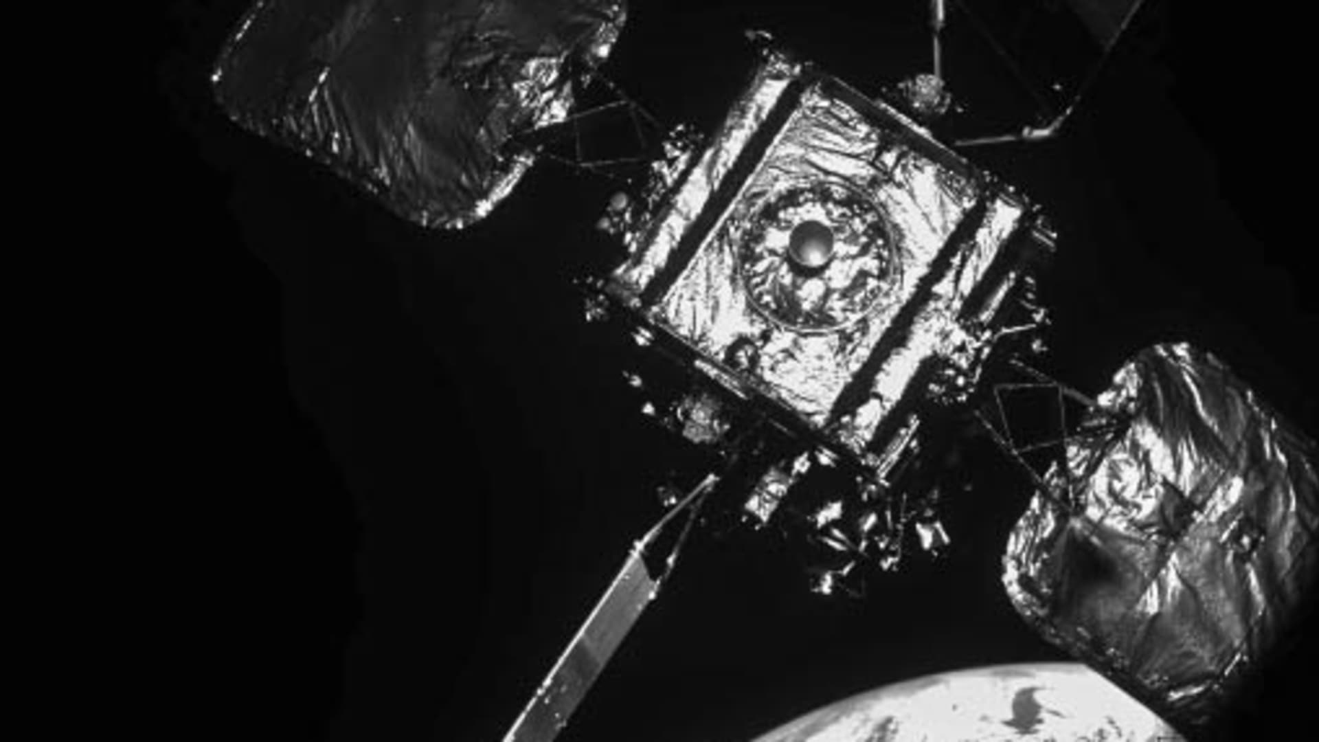 A close up look at Intelsat's IS-10-02 satellite as MEV-2 approached for docking in orbit.