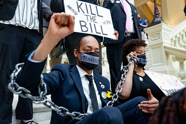 Hundreds of corporations, business leaders, celebs sign statement agai... image