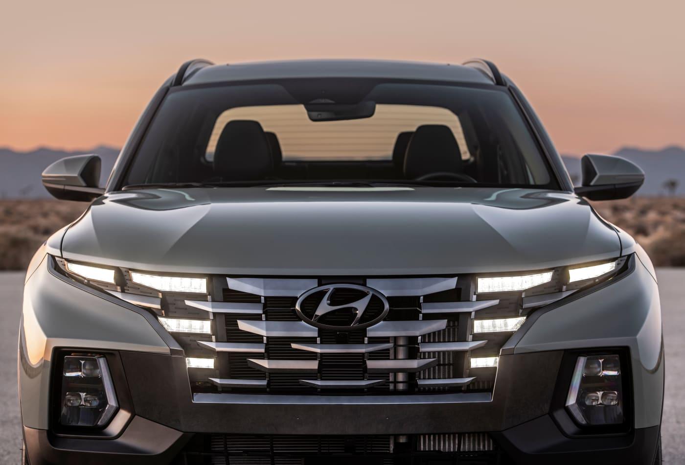 Hyundai enters U.S. pickup market with new Santa Cruz 'Sport Adventure Vehicle'