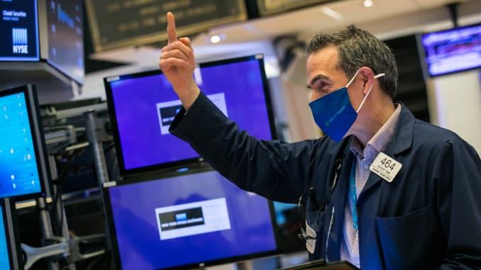 Sở giao dịch chứng khoán New York chào đón các giám đốc điều hành và khách của agilon health, inc.  (NYSE: AGL), Thứ Năm, ngày 15 tháng 4 năm 2021, để kỷ niệm Đợt chào bán lần đầu ra công chúng.
