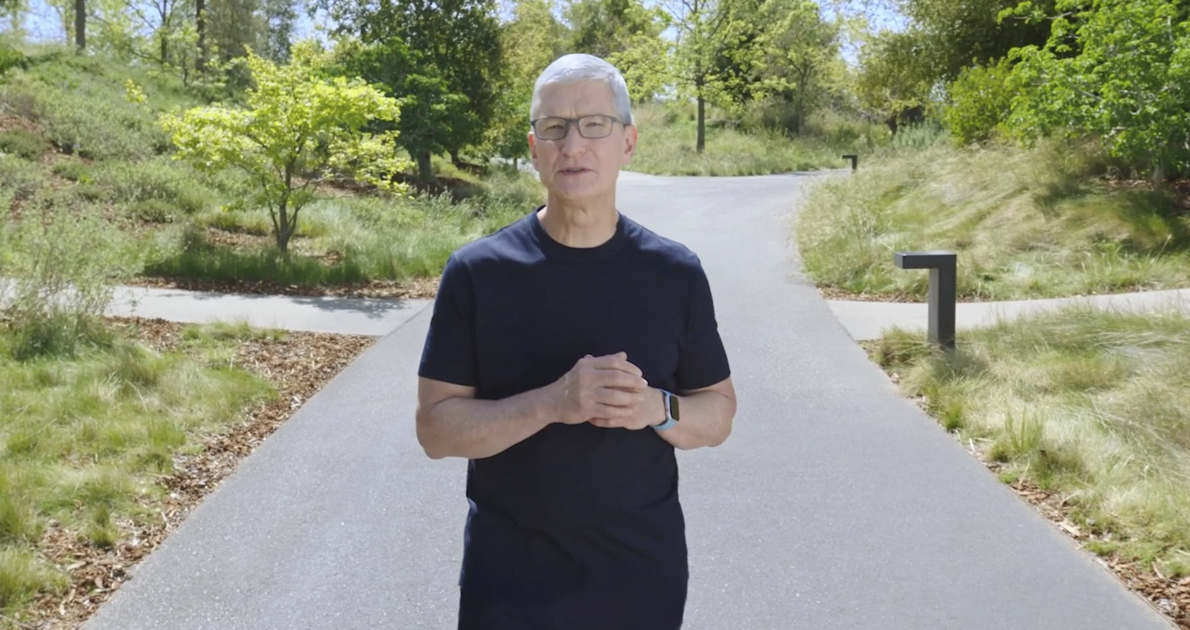 Apple reports another blowout quarter with sales up 54%, authorizes $90 billion in share buybacks | Latest News Live | Find the all top headlines, breaking news for free online April 29, 2021
