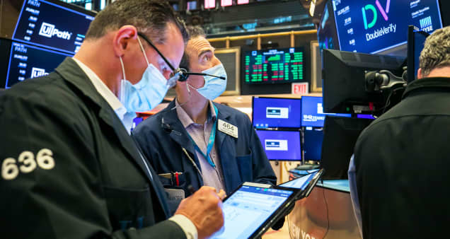 Dow rebounds 450 points from worst day since January, S&P 500 and Nasdaq both rise more than 1%