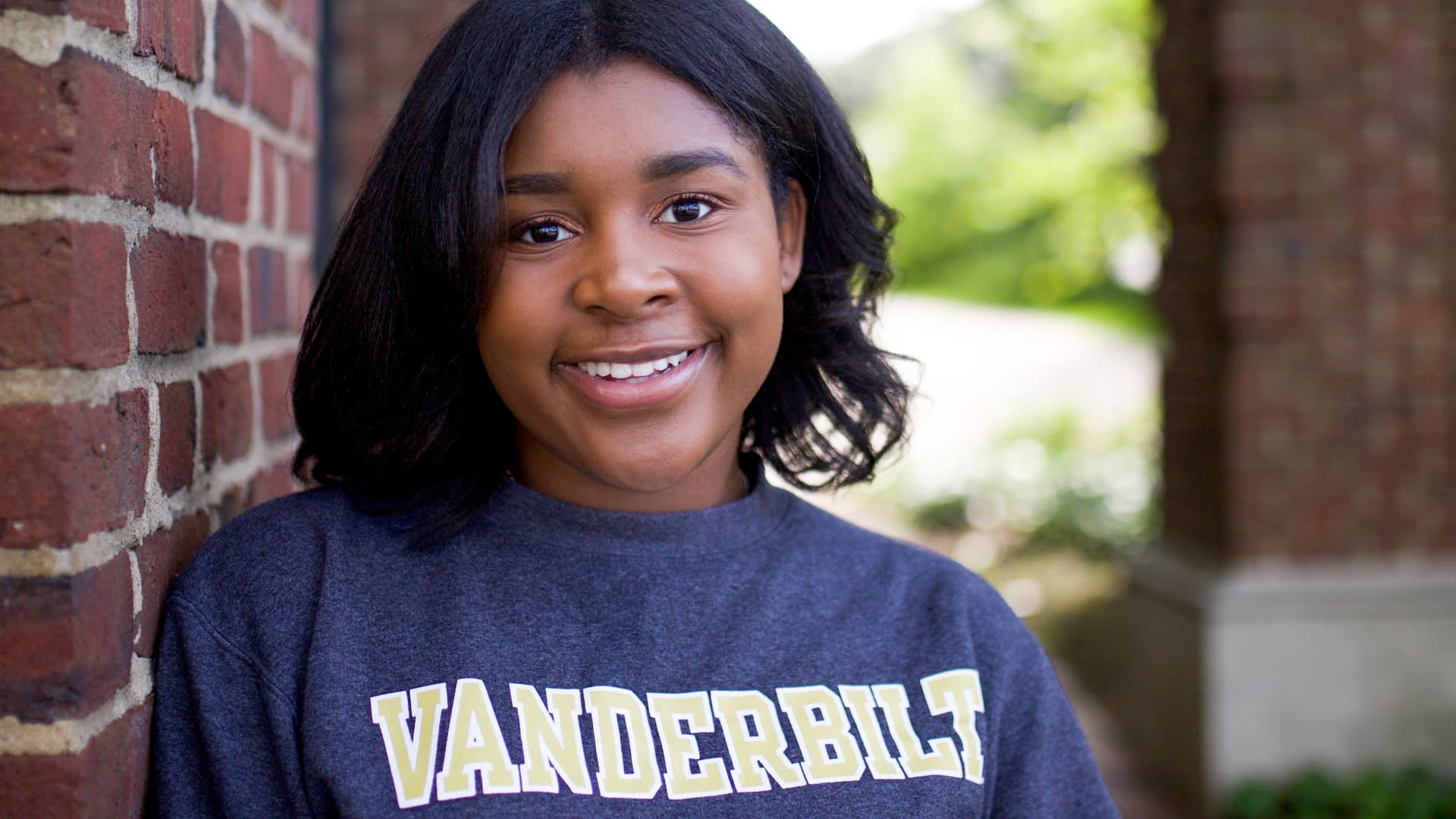 Cedoni Francis, a 2020 graduate of Vanderbilt University, worked as a student brand ambassador for TikTok, Bumble and Anheuser-Busch. She now works in marketing at Google.