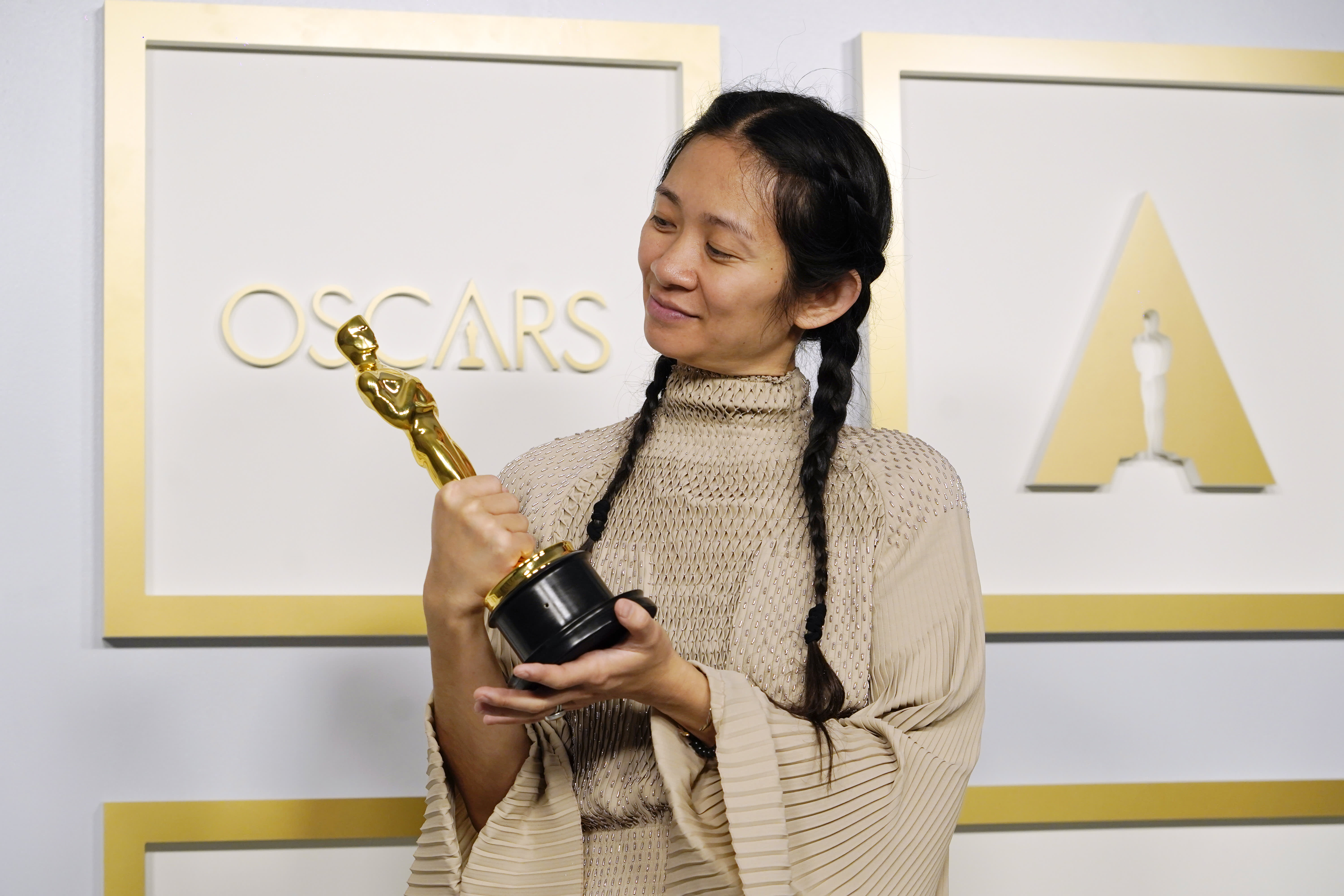 Chloe Zhao becomes second woman to win best director at Academy Awards thumbnail
