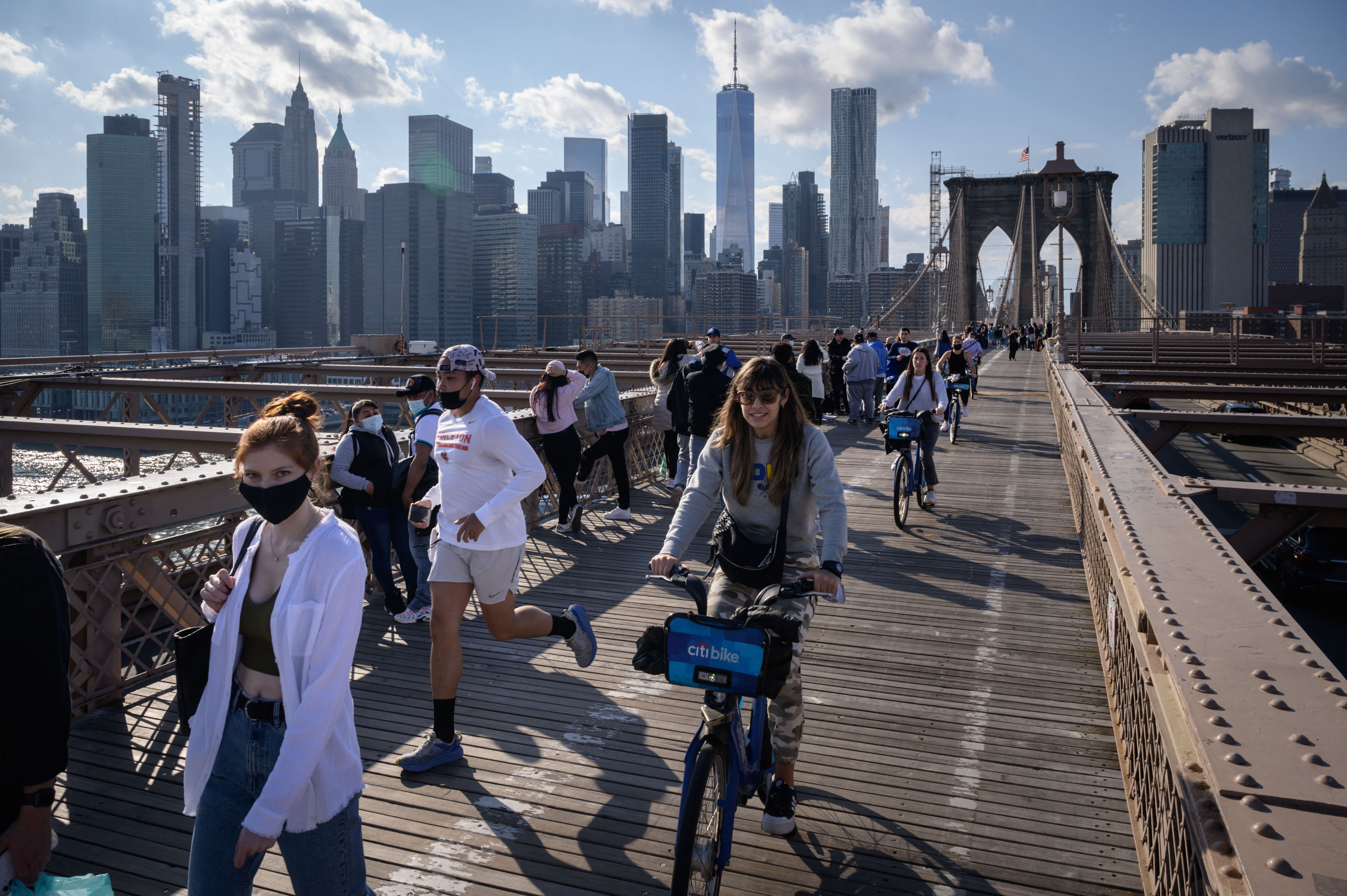 New York City Mayor Bill de Blasio says the city will reopen 100% on July 1 – CNBC