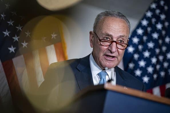Democrats, GOP team up on bill targeting China as U.S. suffers microchip shortage thumbnail