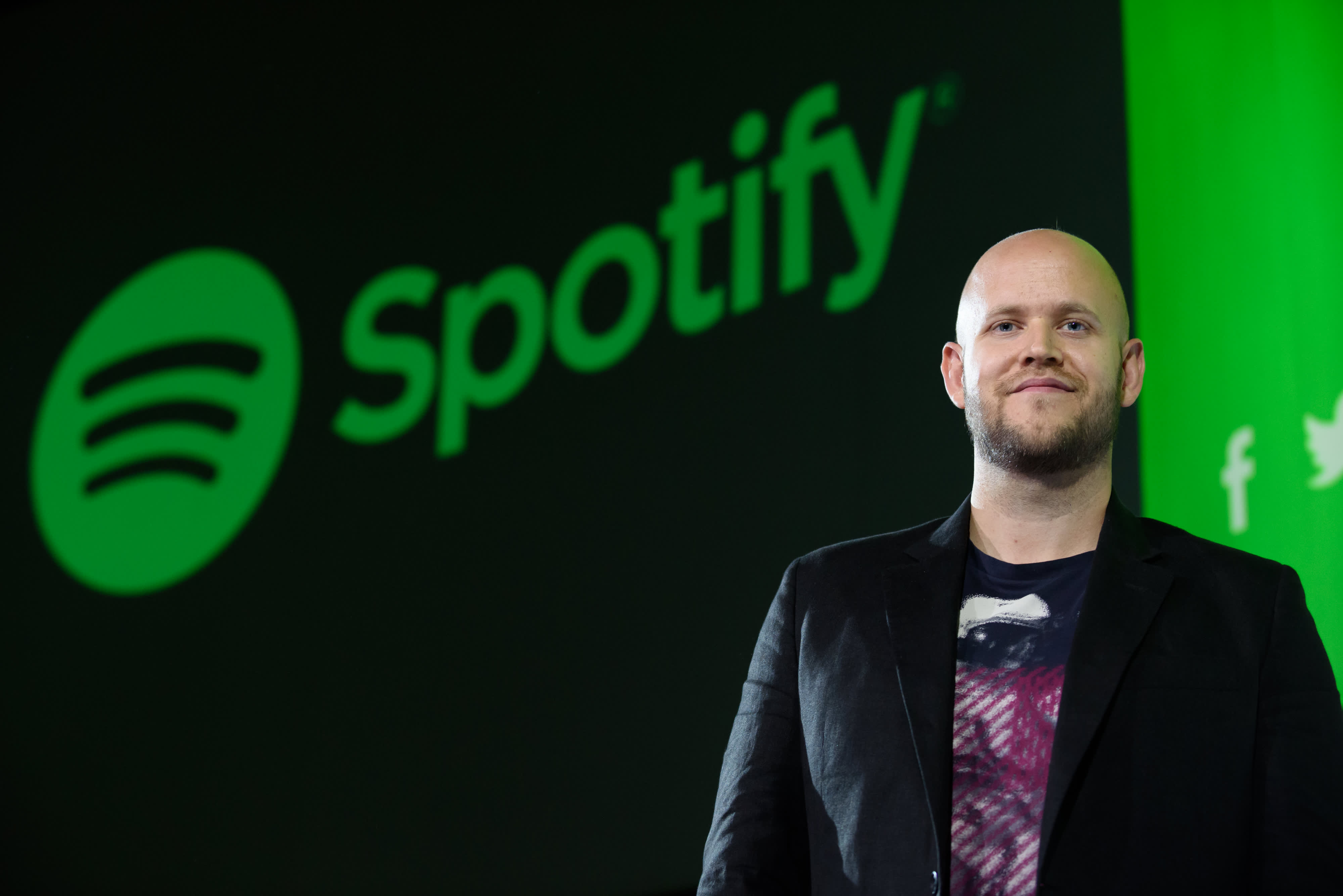 Spotify creator'very serious' about purchasing his favorite team, Arsenal, says he has secured funding thumbnail