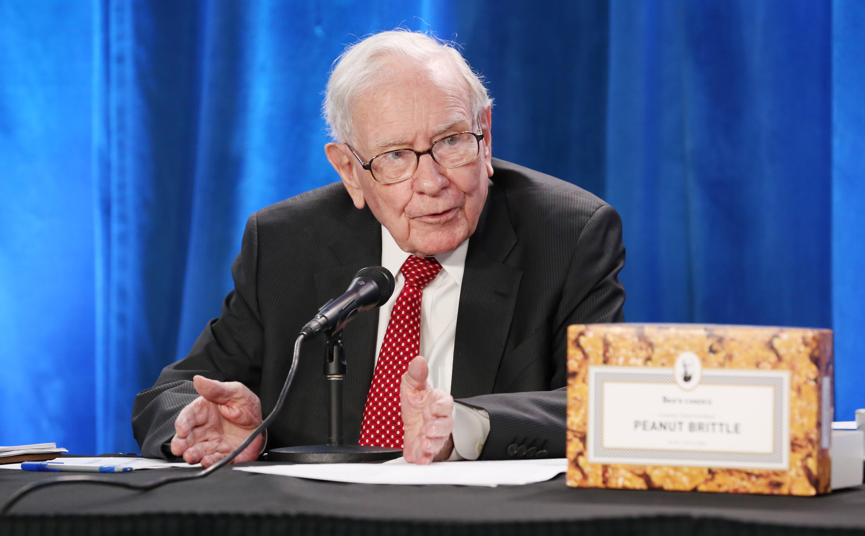 Warren Buffett says Robinhood is catering to the gambling instincts of investors