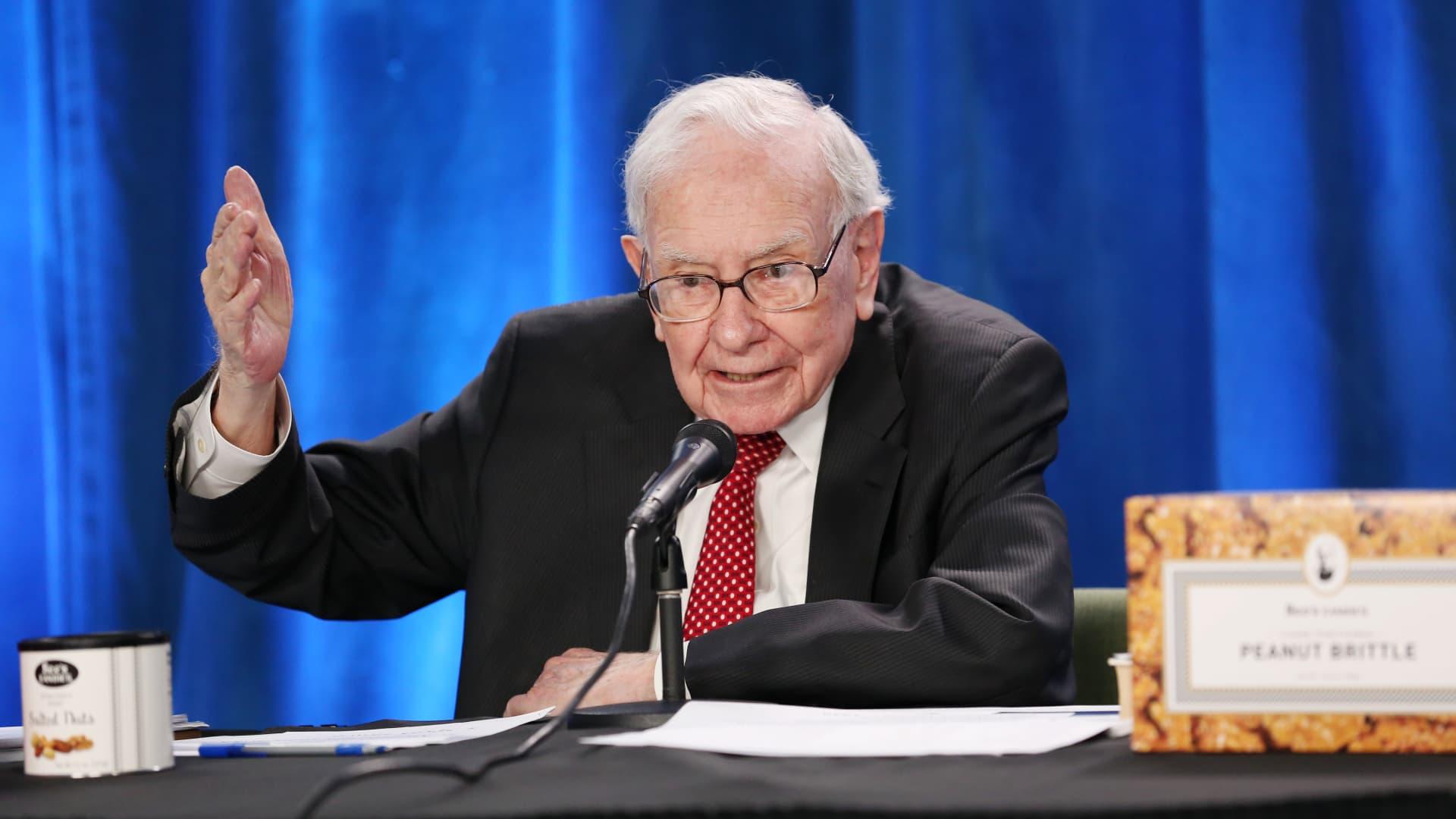 Warren Buffett at Berkshire Hathaway's annual meeting in Los Angeles, California. May 1, 2021.