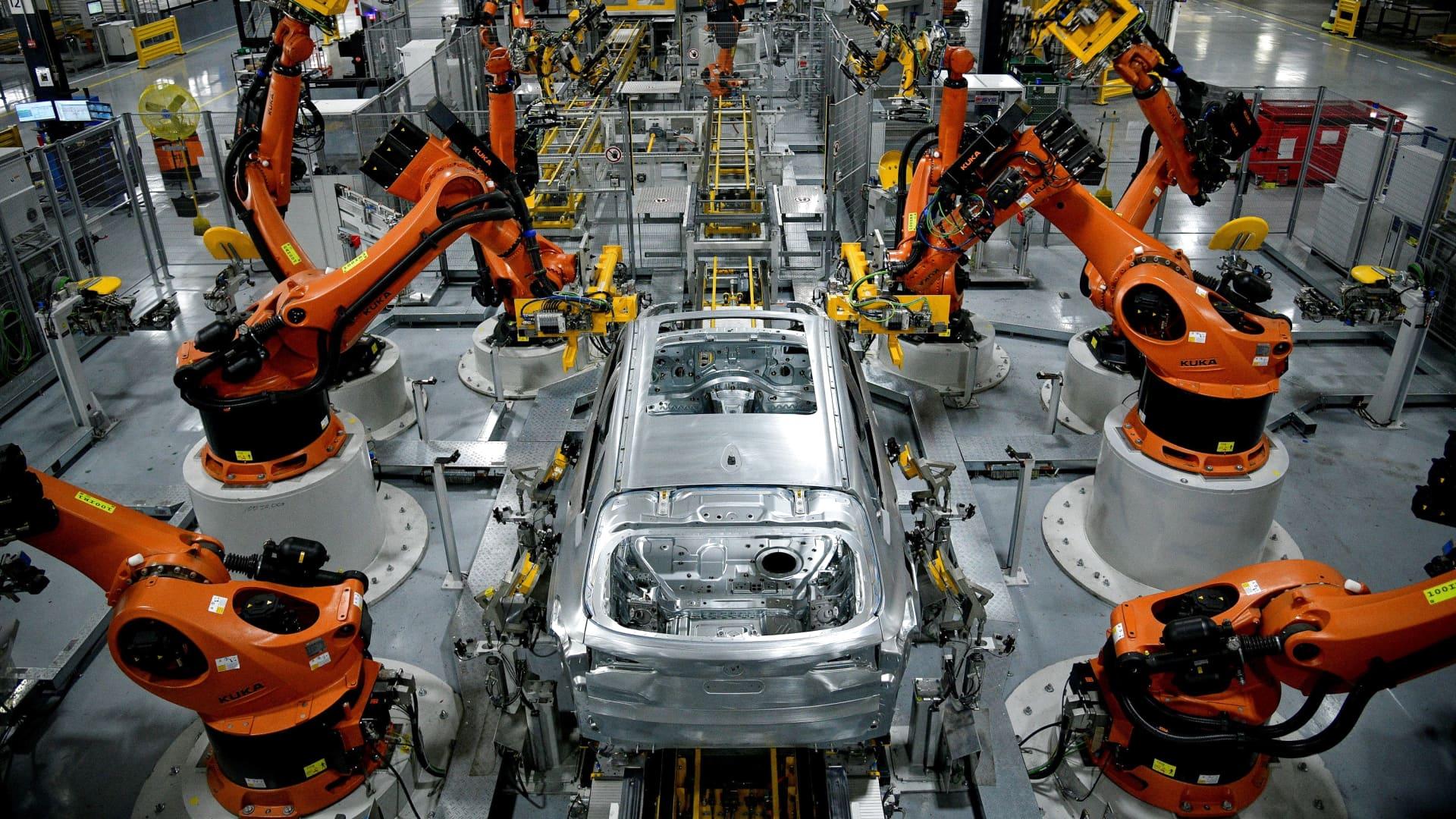 Autonomous robots assemble an X model SUV at the BMW manufacturing facility in Greer, South Carolina, U.S. November 4, 2019.