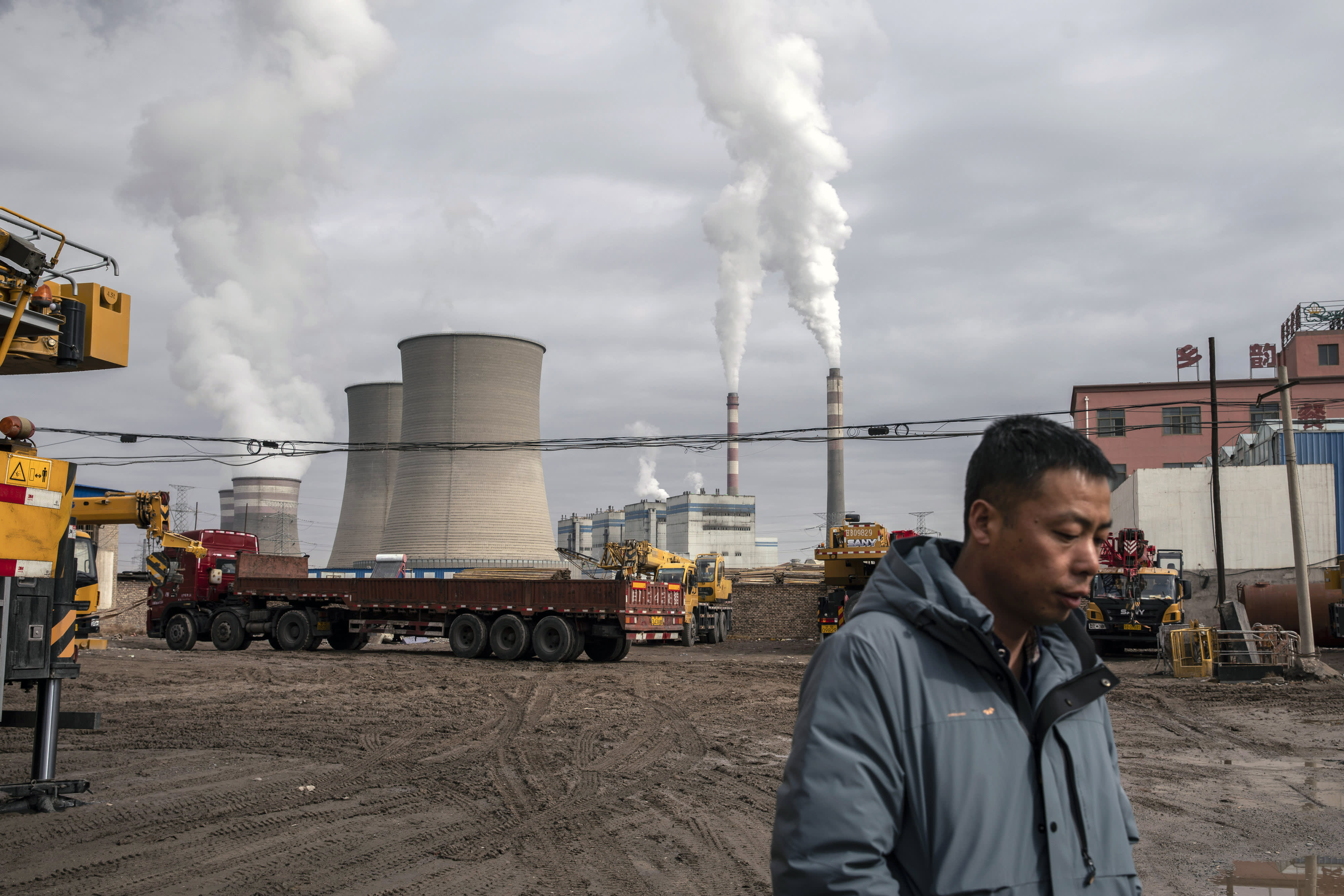China's greenhouse gas emissions exceed those of U.S. and developed countries combined, report says