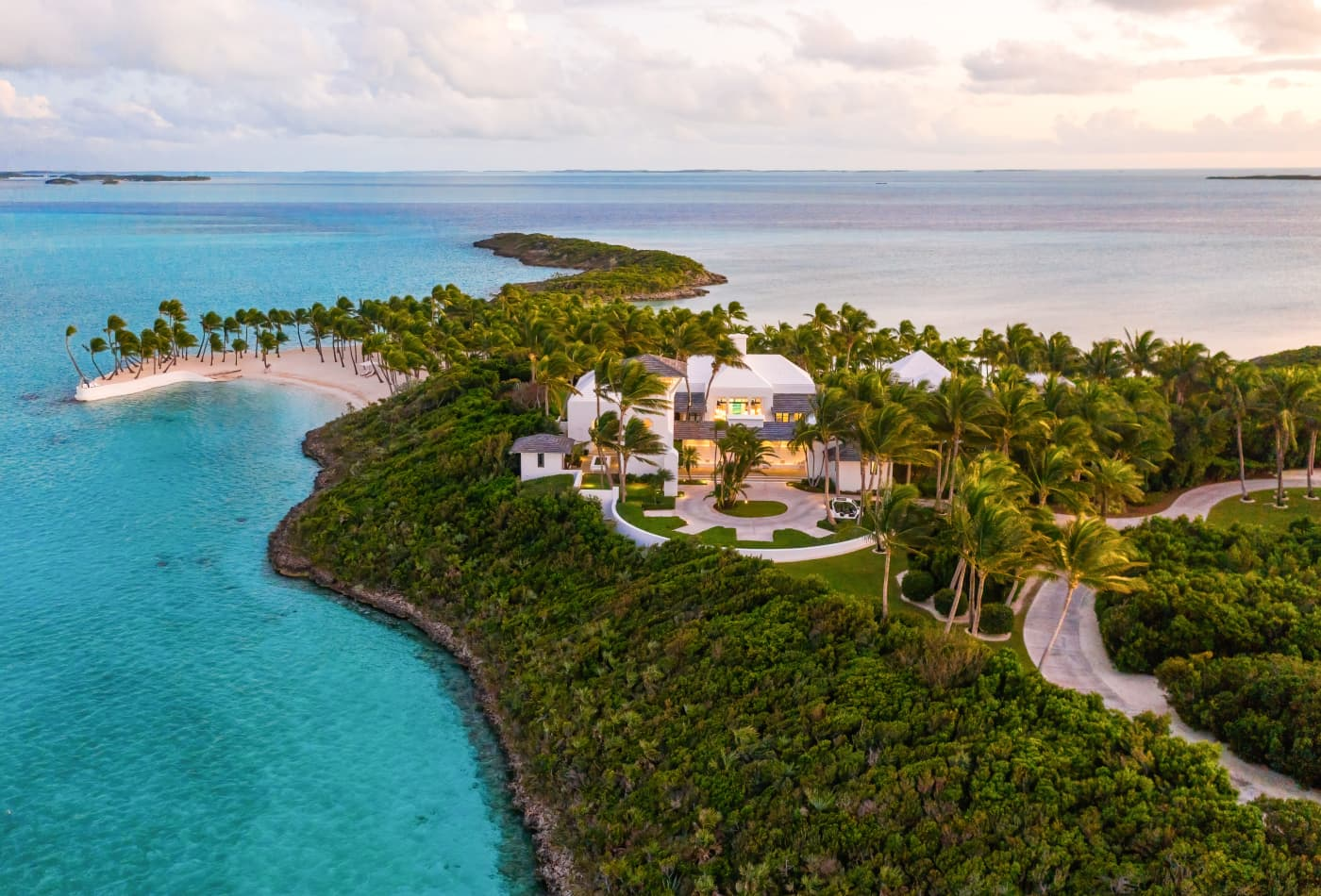 Tour Faith Hill and Tim McGraw's $35 million private island