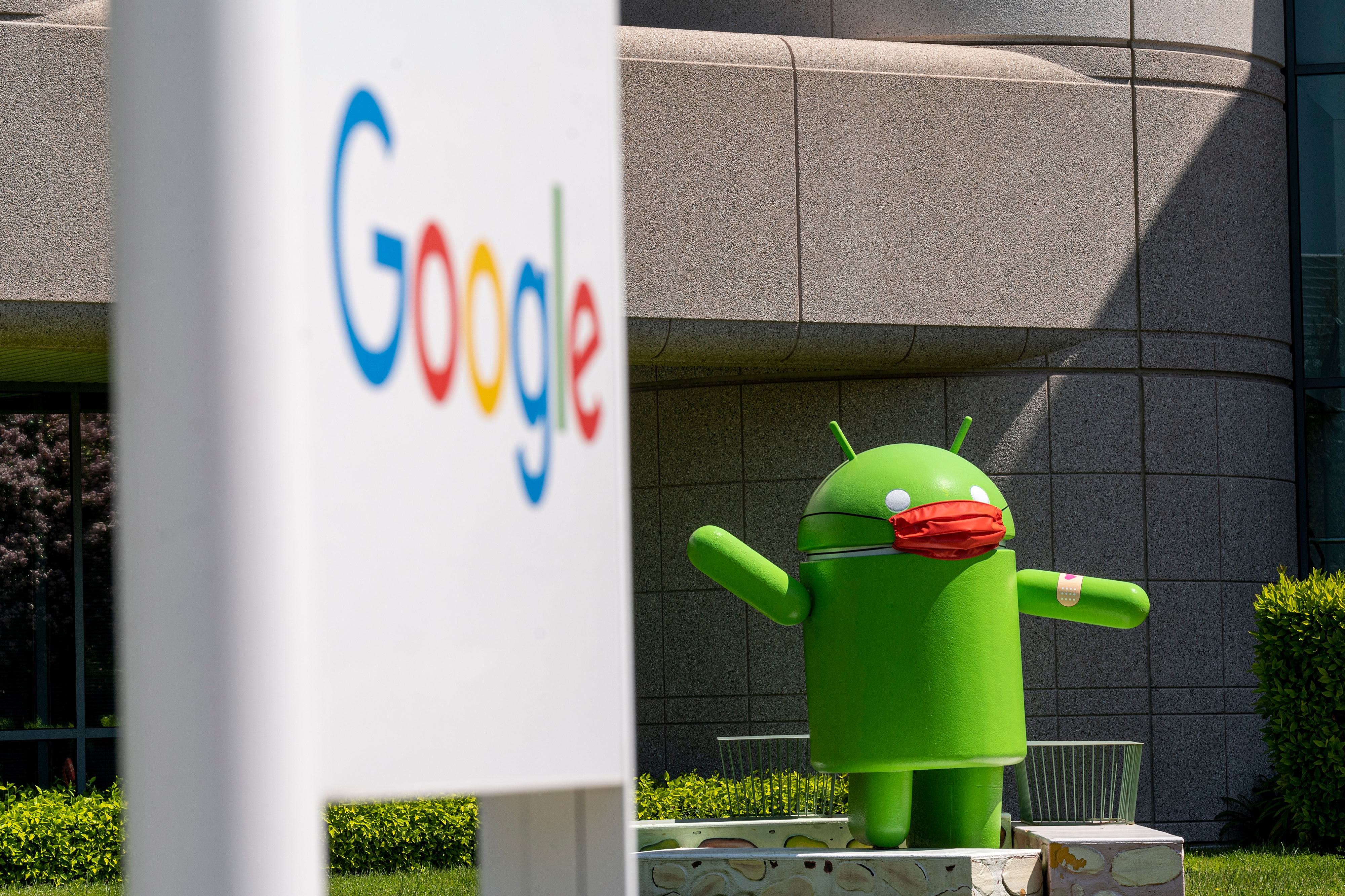 States bring a new antitrust suit against Google over its mobile app store