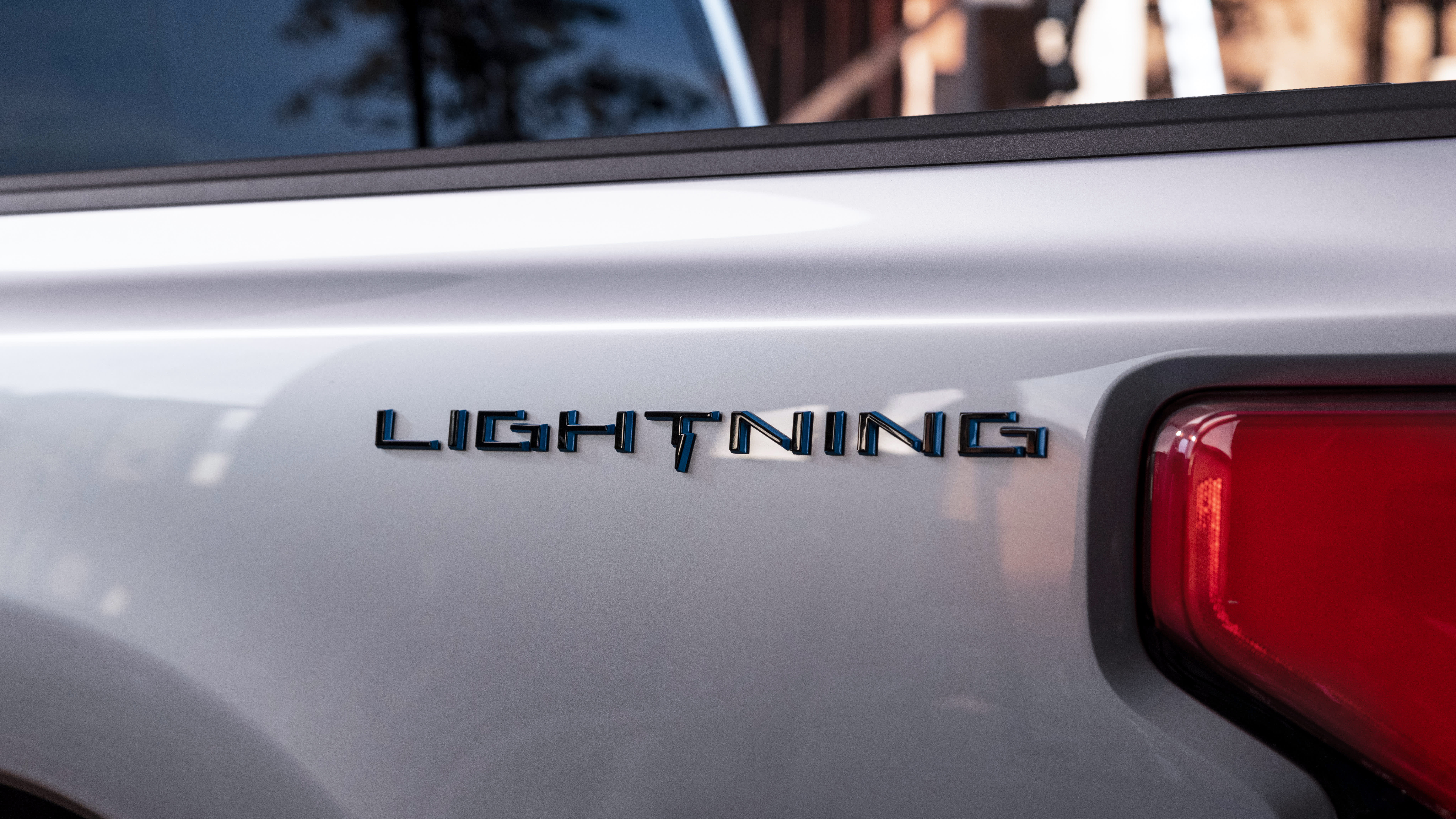 Ford names new F-150 electric pickup Lightning with plans to reveal it May 19 – CNBC