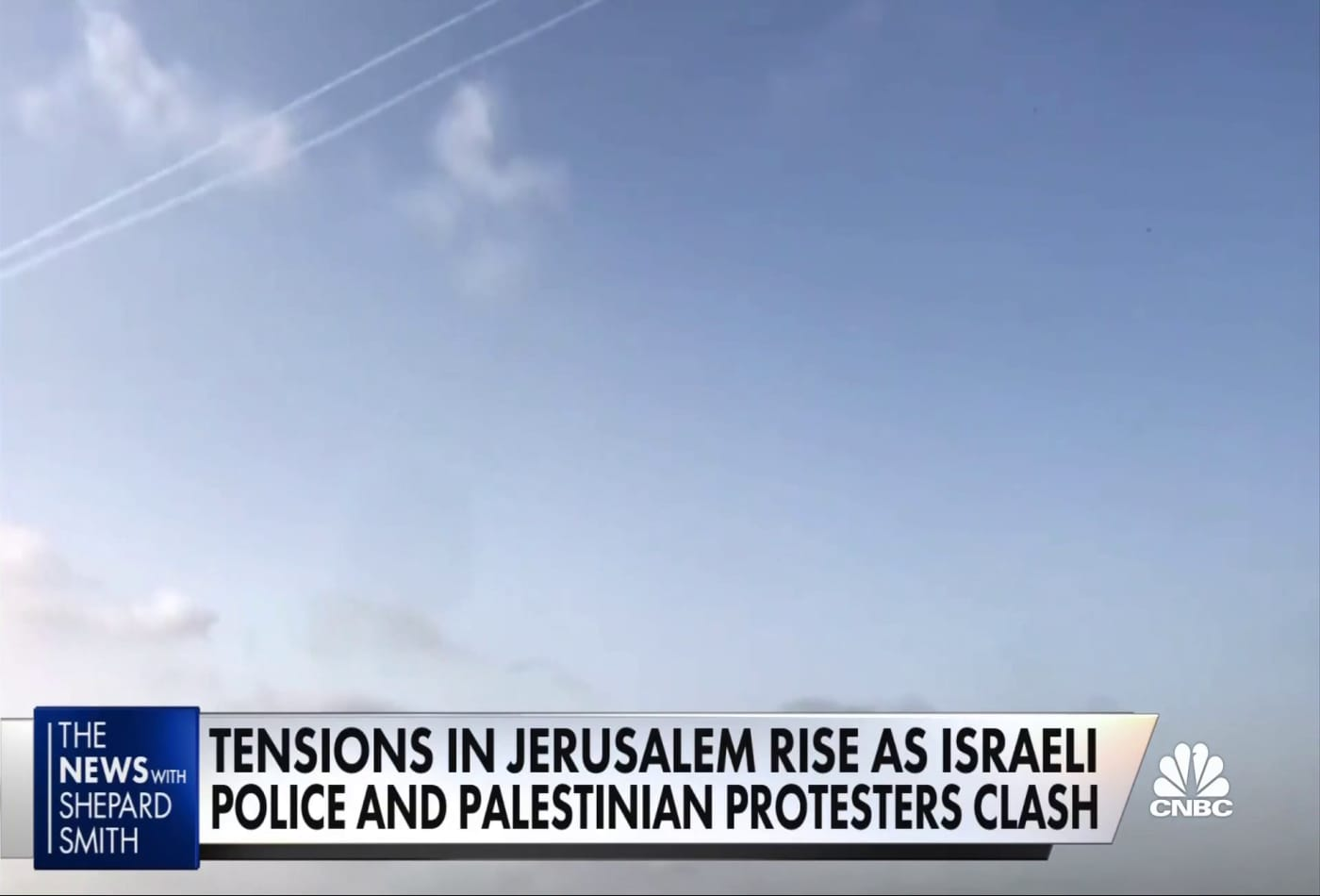 Tensions in Jerusalem simmer as Israeli police and Palestinian protestors clash
