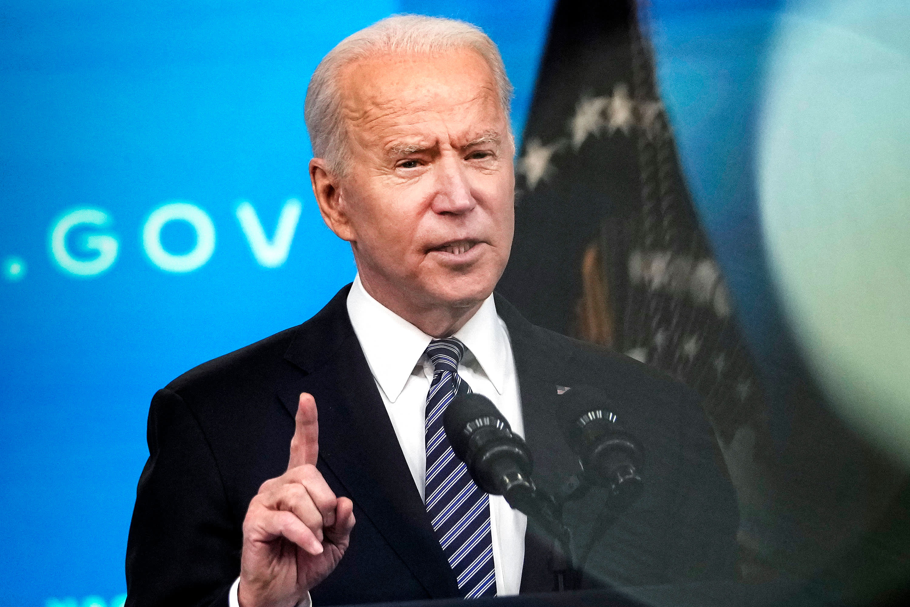 Biden signs executive order to strengthen cybersecurity after colonial pipeline hack