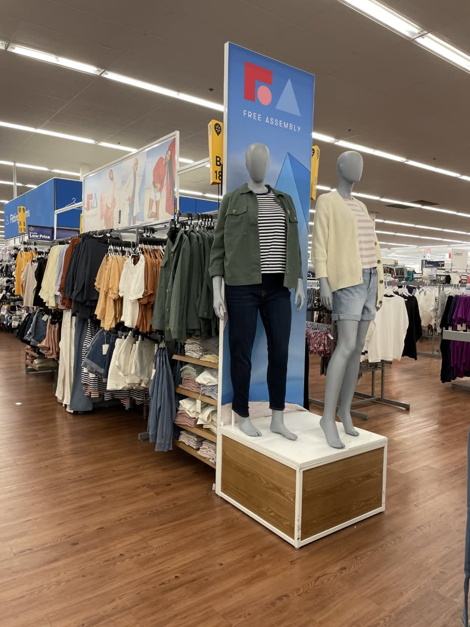 Walmart acquires virtual fitting room company Zeekit, as it makes push into trend thumbnail