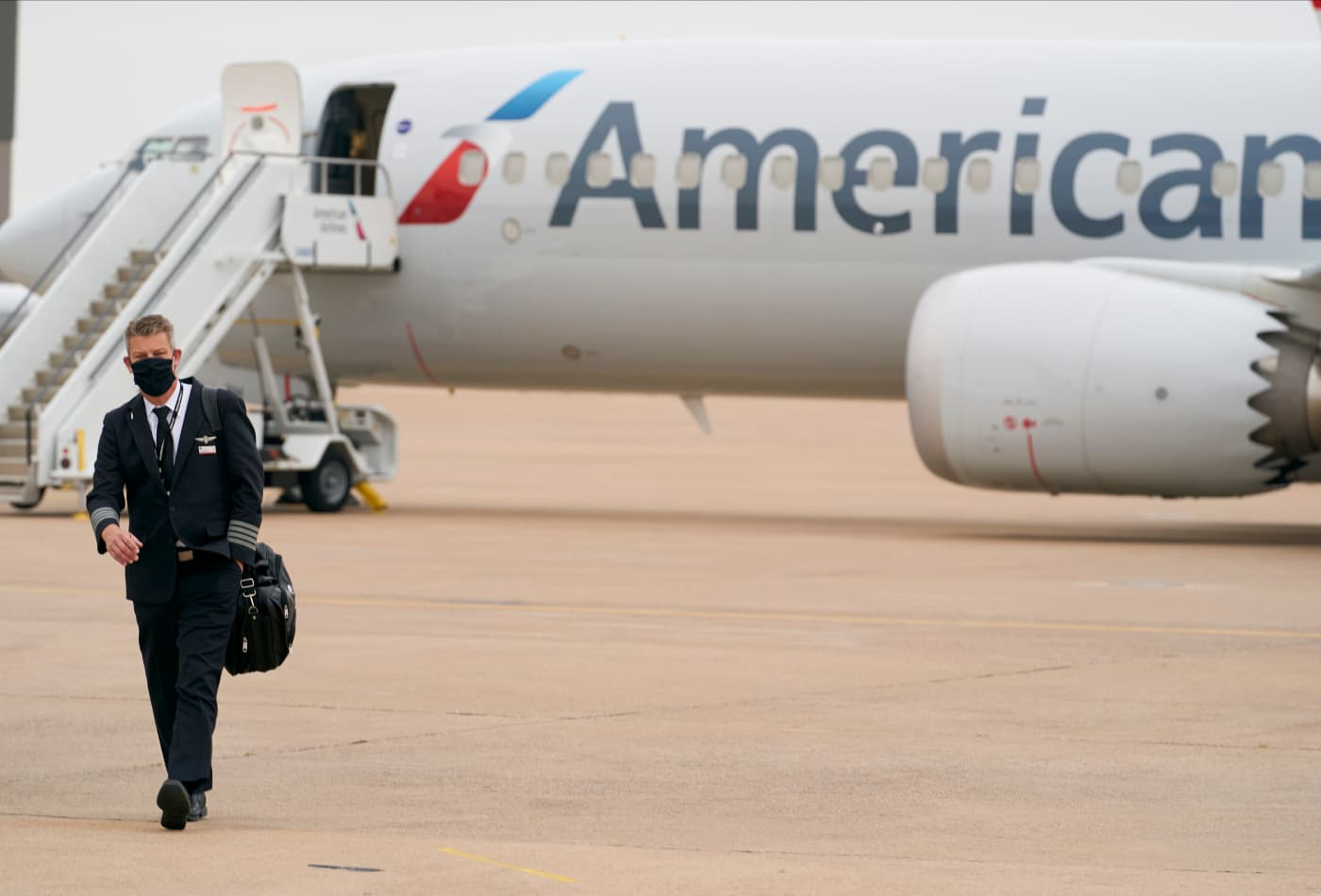 Sleeping at the airport: American Airlines flight attendant, pilot unions complain about lack of hotel rooms