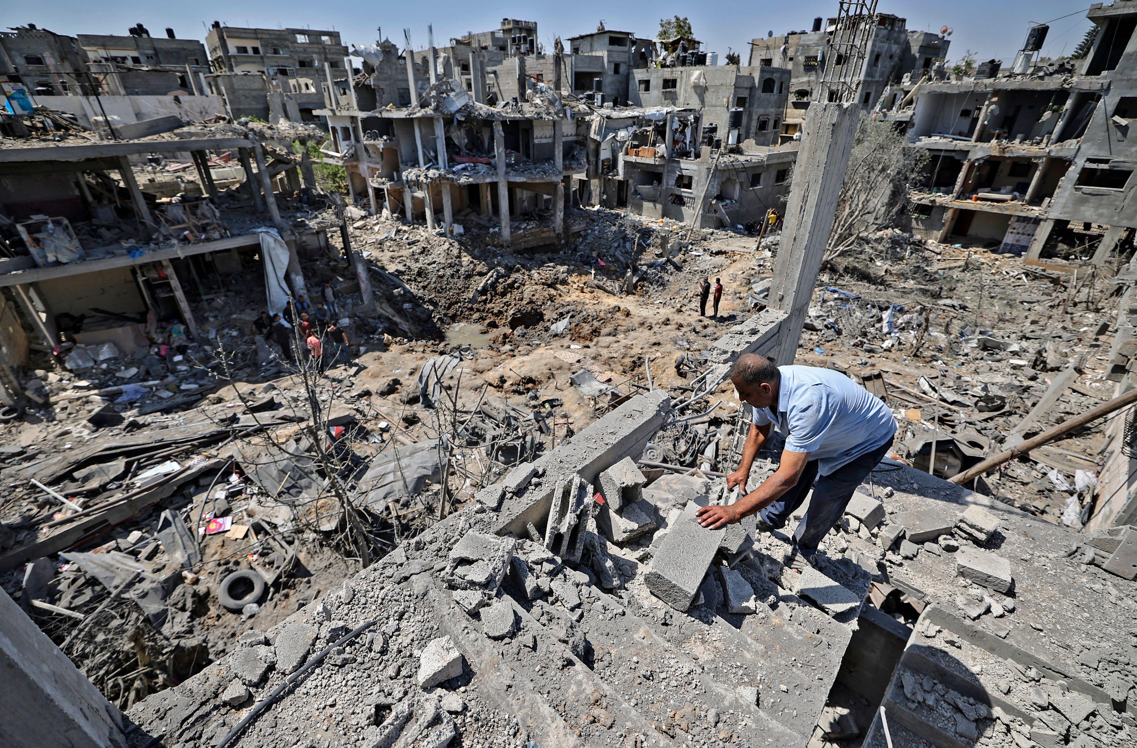 Kekerasan mematikan meningkat di Jalur Gaza dan Israel saat Biden mendesak de-eskalasi thumbnail