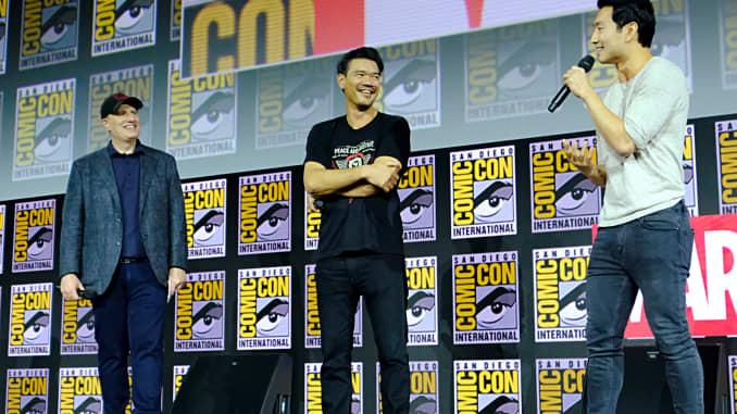 Presiden Marvel Studios Kevin Feige, Direktur Destin Daniel Cretton dan Simu Liu dari Marvel Studios 'ShangChi and the Legend of the Ten Rings' di San Diego ComicCon International 2019 Marvel Studios Panel di Hall H pada 20 Juli 2019 di San Diego, California