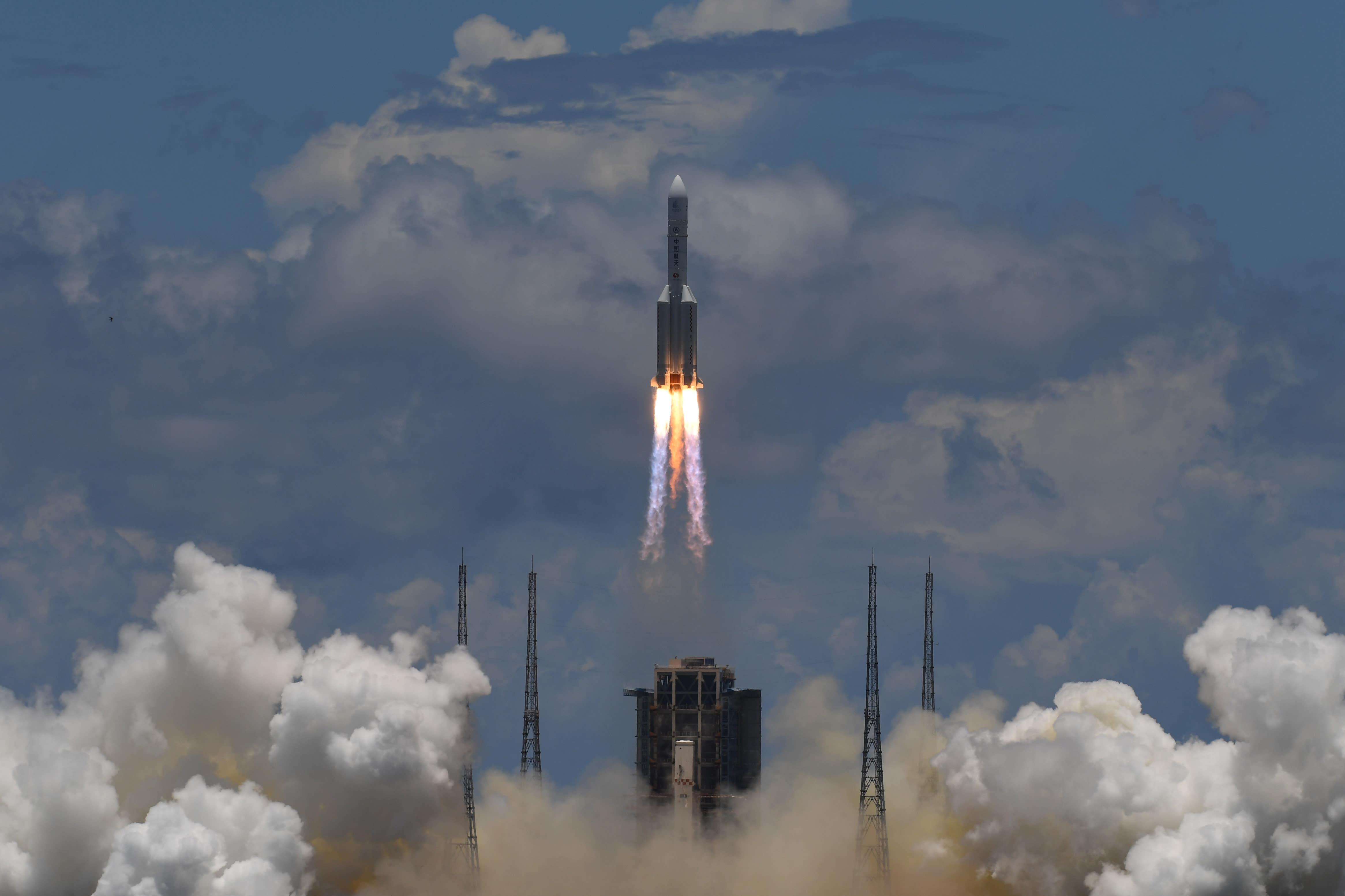 China completes historic landing on Mars