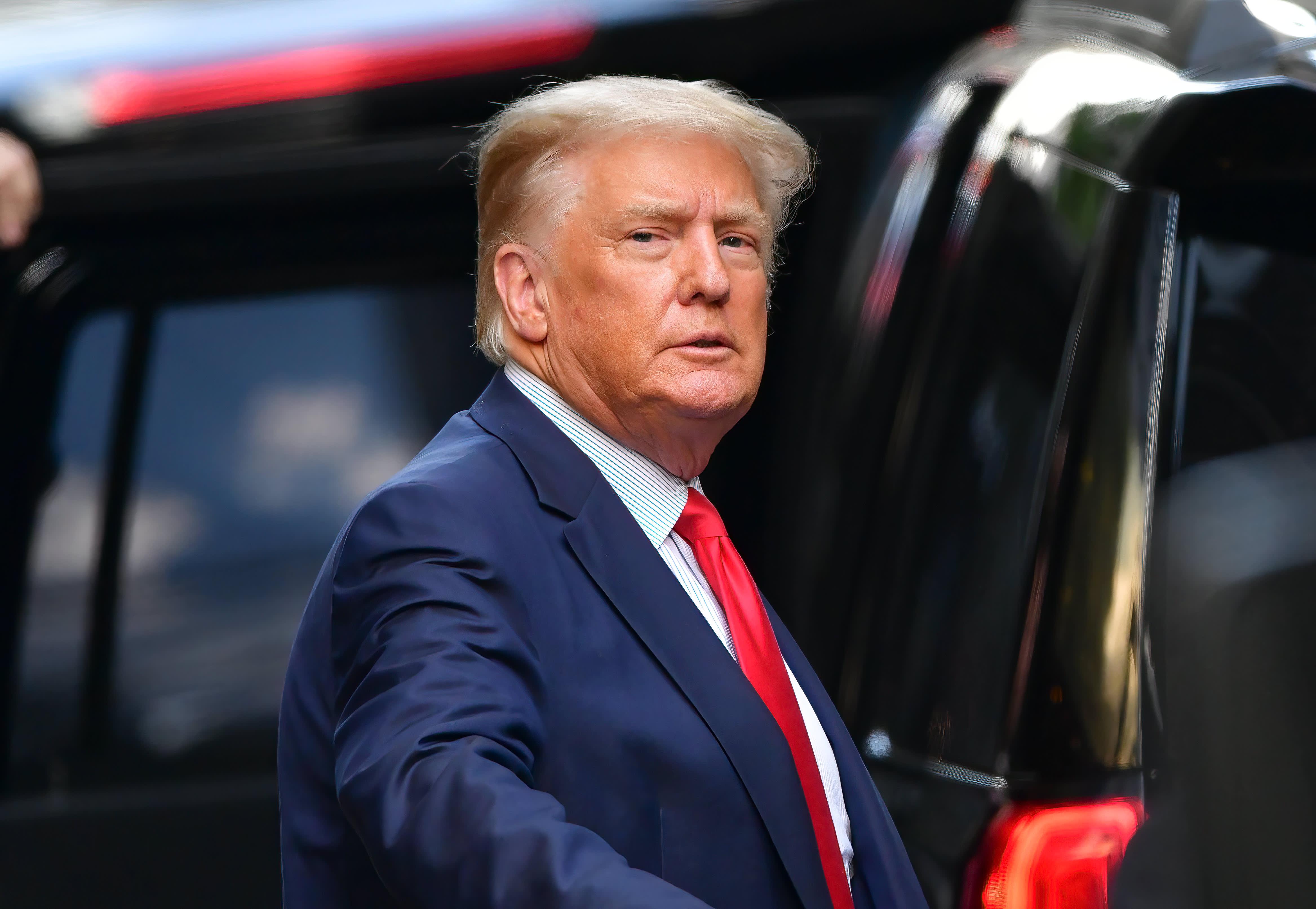 Manhattan DA convenes grand jury in Trump investigation, report says thumbnail