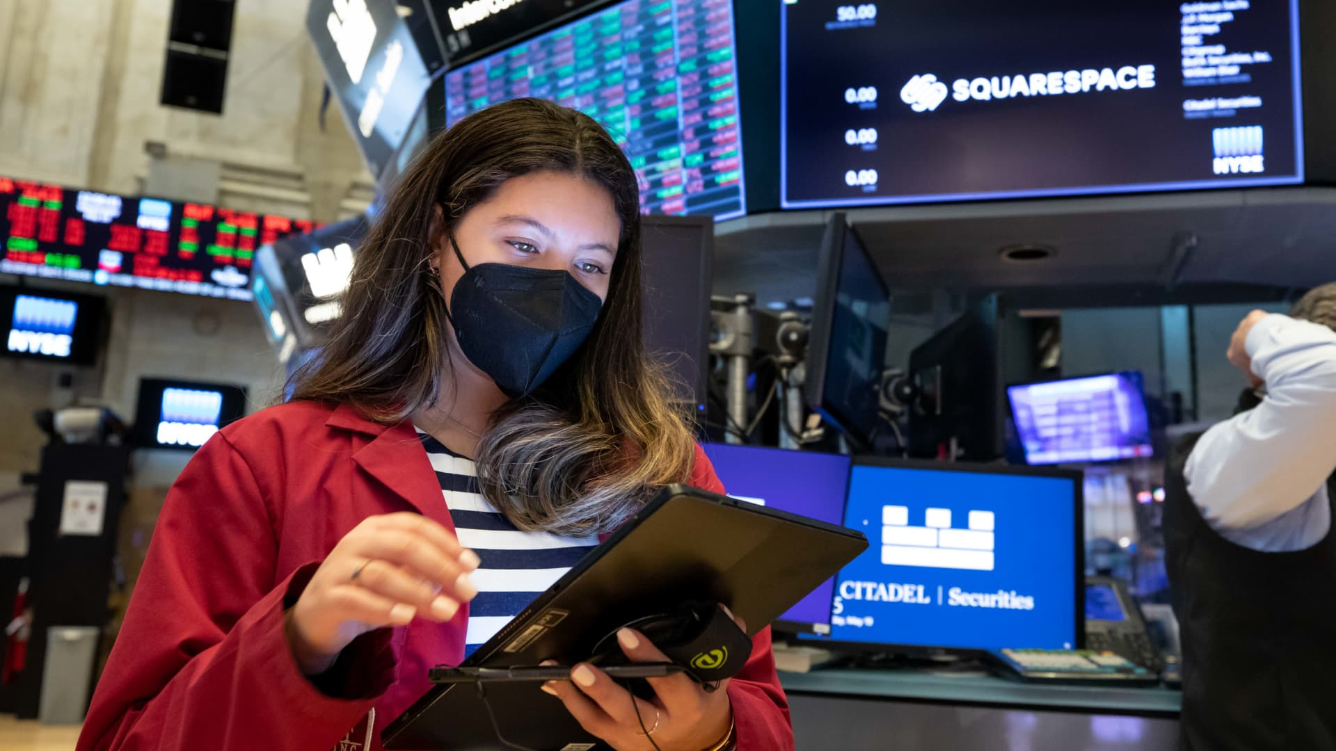Traders working at the New York Stock Exchange (NYSE), on May 19, 2021.