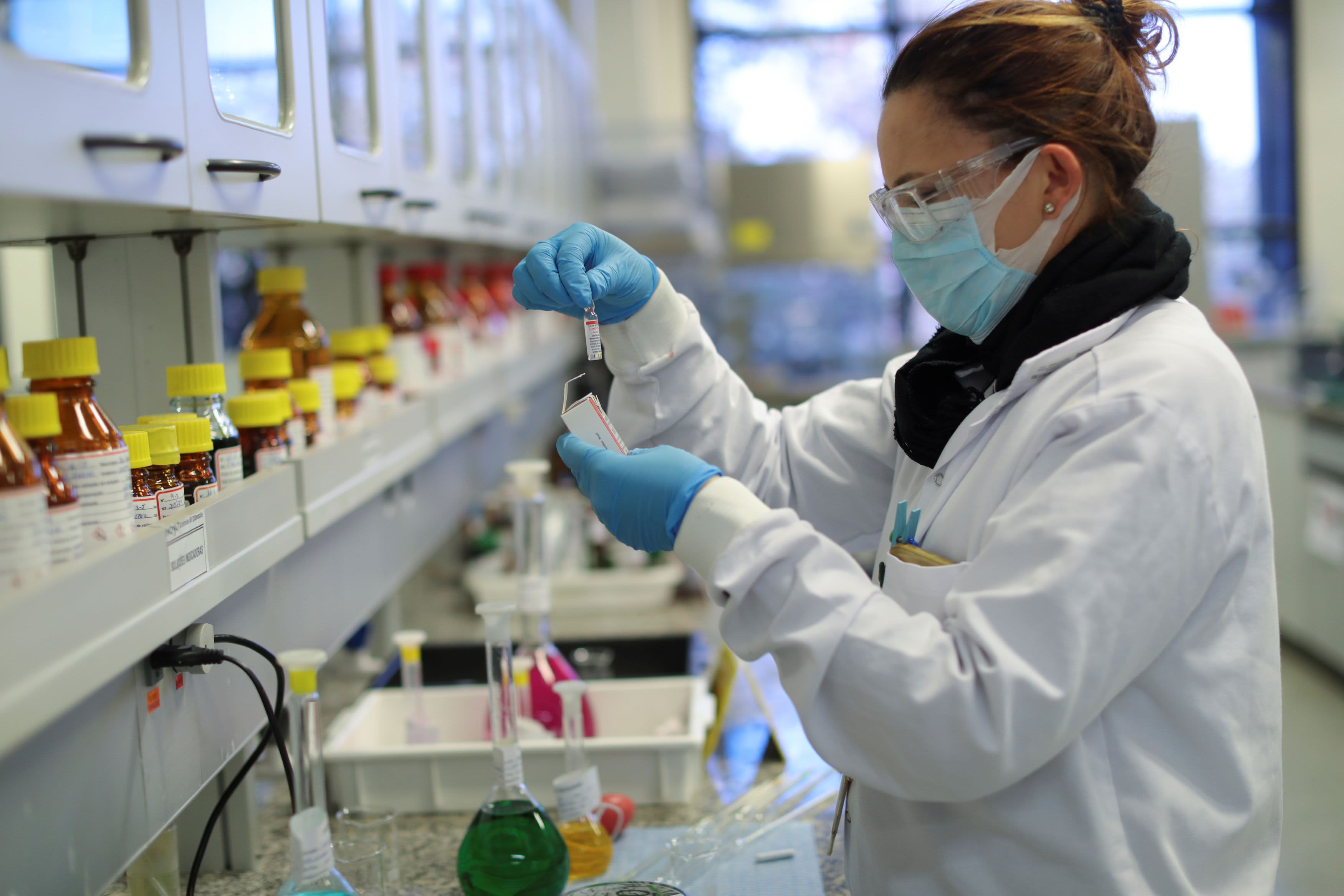 'It's scientific nonsense': Russia denies claims it stole Covid vaccine blueprint from the UK