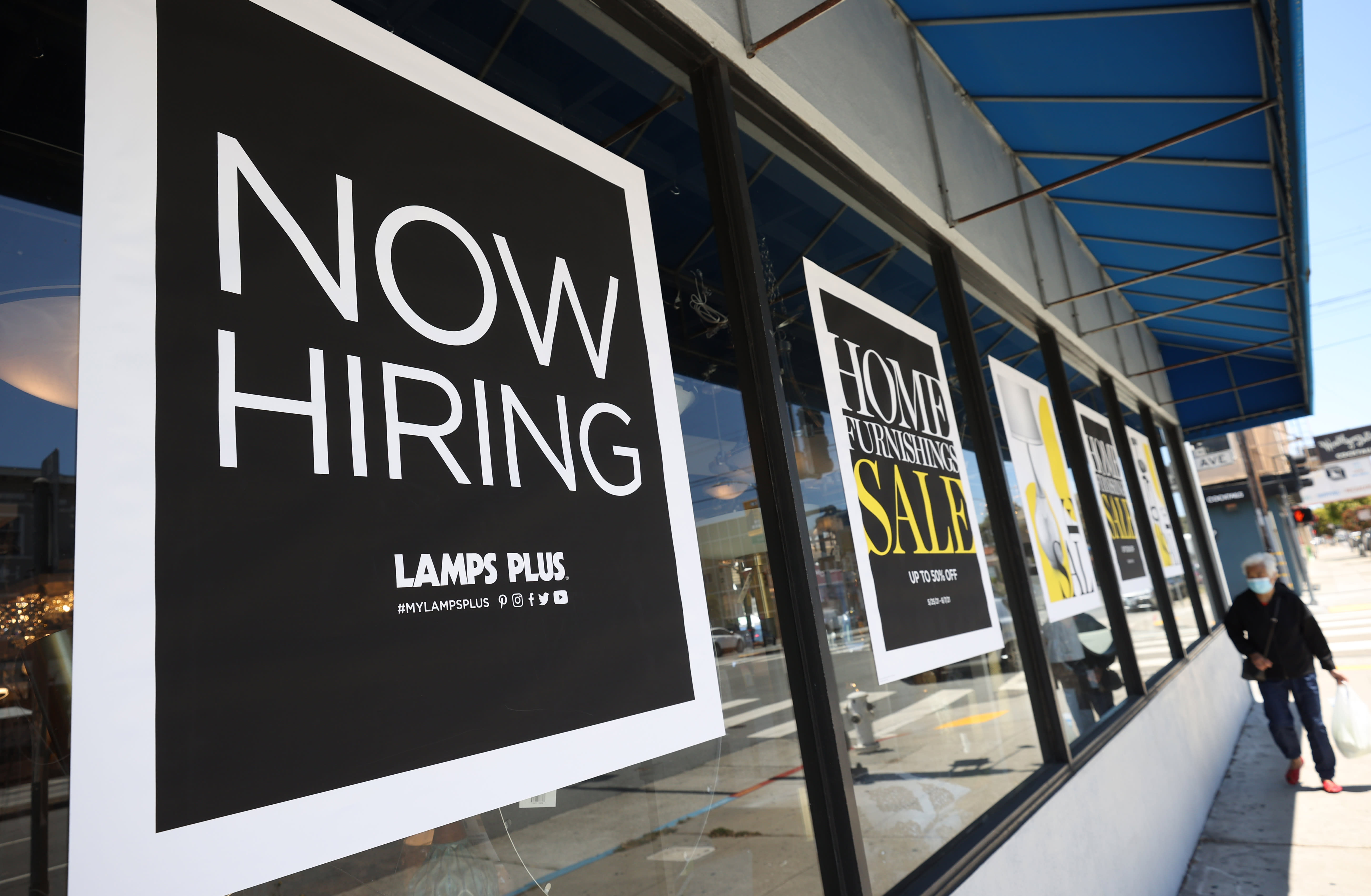 Task openings set record of 9.3 million as labor market booms thumbnail
