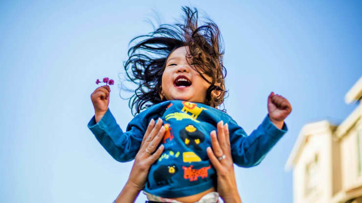 Want To Raise Kids With High Self-Esteem? A Parenting Expert On The Power Of Teaching Your Kids