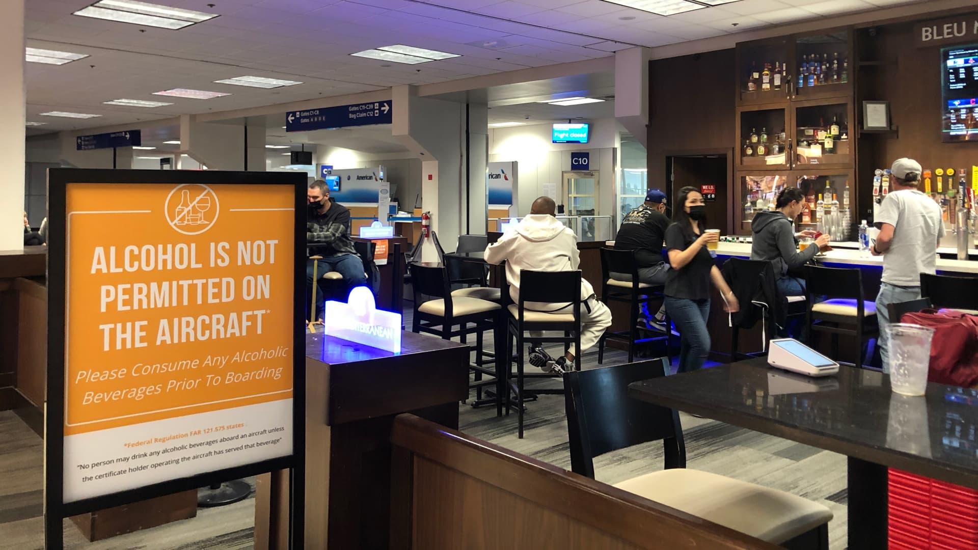 A bar at Dallas/Fort Worth International Airport. May 28, 2021