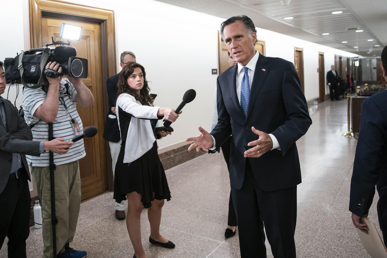 10 GOP senators back bipartisan infrastructure plan, boosting its chances of moving forward