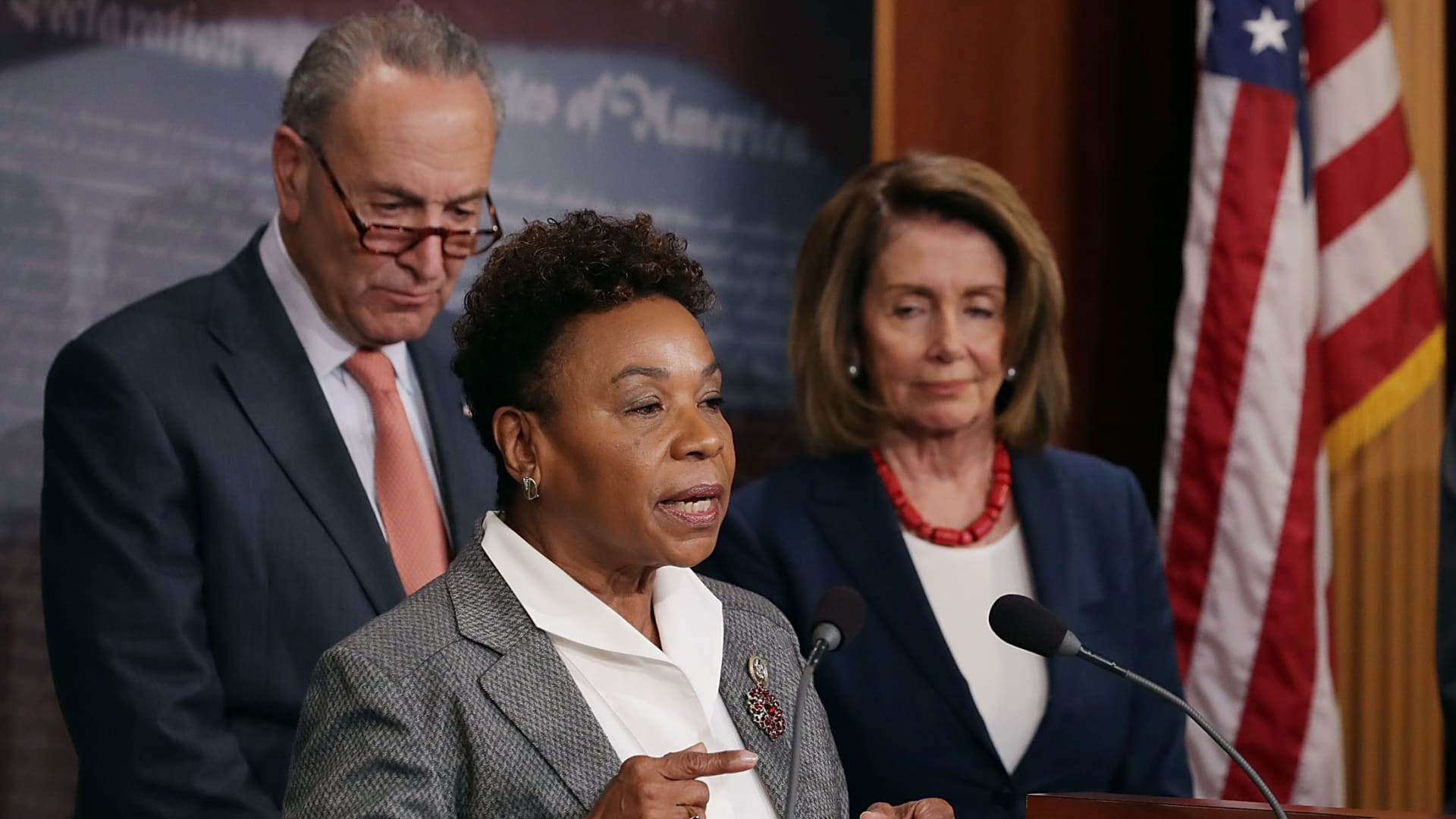 (R) Senate Minority Leader Chuck Schumer (D-NY), Rep. Barbara Lee (D-CA), House Minority Leader Nancy Pelosi (D-CA) hold a news conference critical at the U.S. Capitol October 4, 2017 in Washington, DC.
