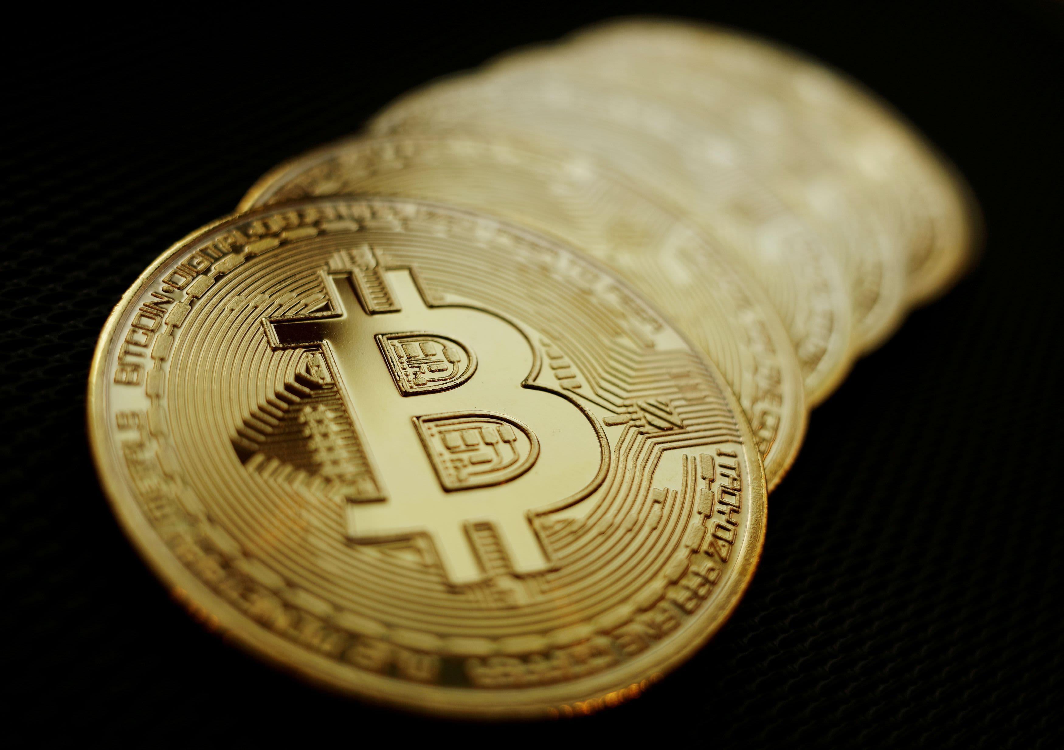 Csúnya, ami a kriptopiacon zajlik, nagyot esett a bitcoin árfolyama