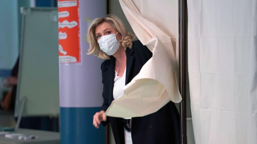 France far right Marine Le Pen falls short in regional election