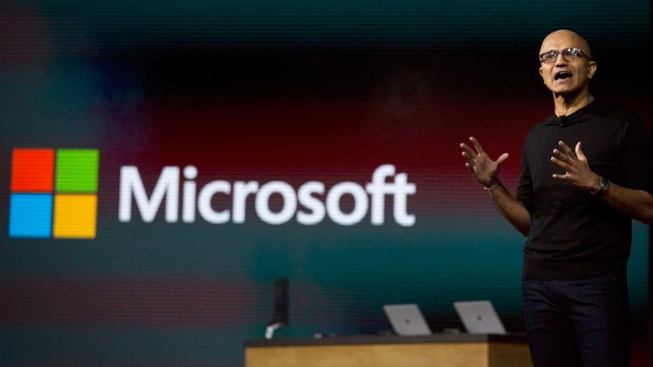 Satya Nadella, CEO Microsoft Corp, berbicara selama acara Perangkat Windows 10 di New York pada 6 Oktober 2015