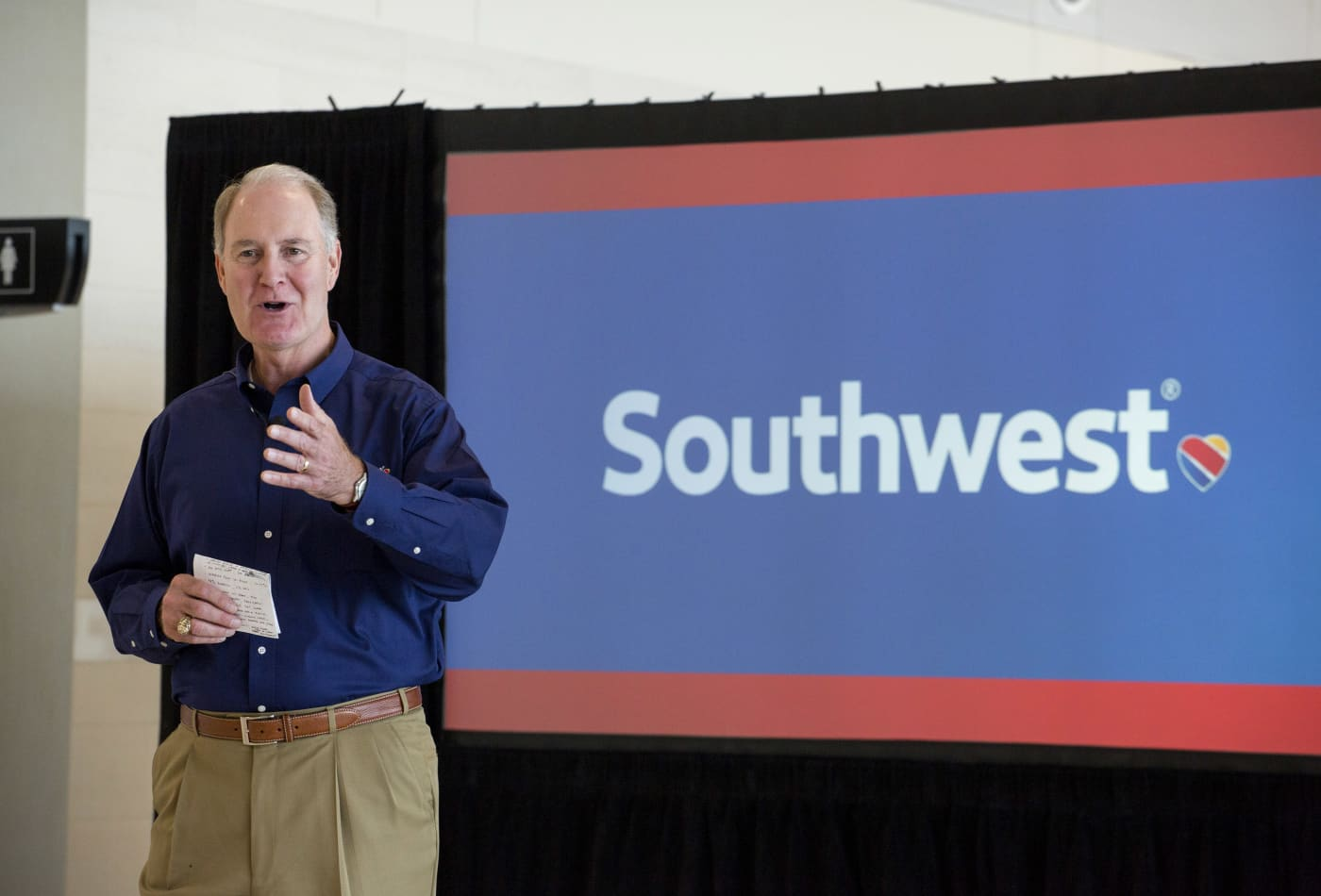 Southwest Airlines CEO Kelly stepping down in 2022, will be replaced by company veteran