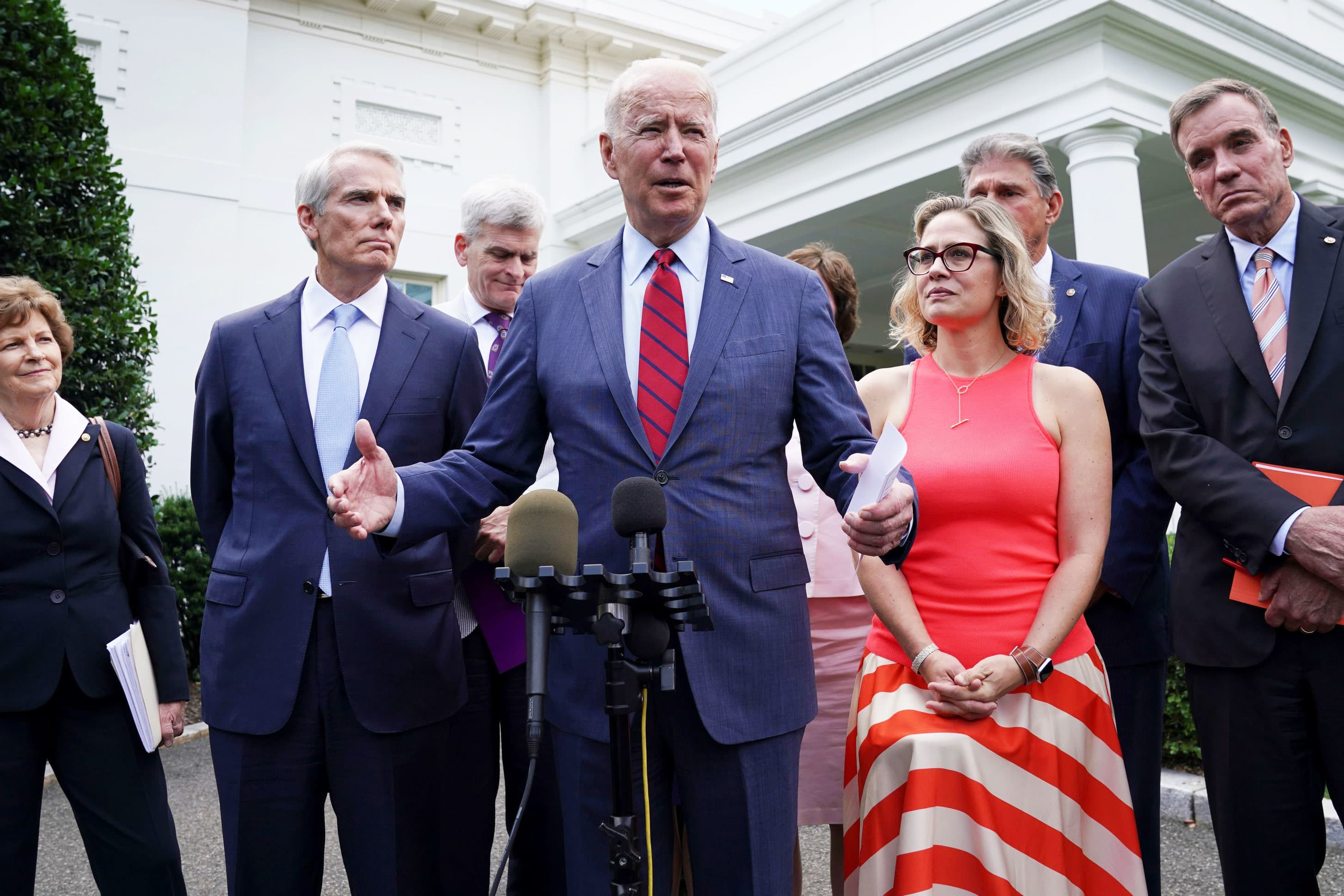 'We have a deal,' Biden says after meeting with Senate infrastructure group