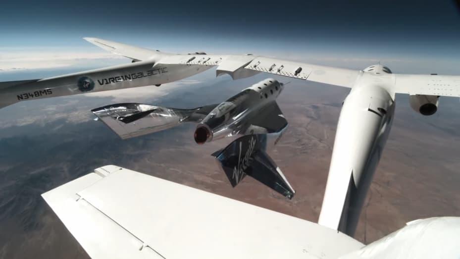 VSS Unity es lanzado desde el portaaviones VMS Eve durante el lanzamiento de su tercer vuelo espacial el 22 de mayo de 2021.