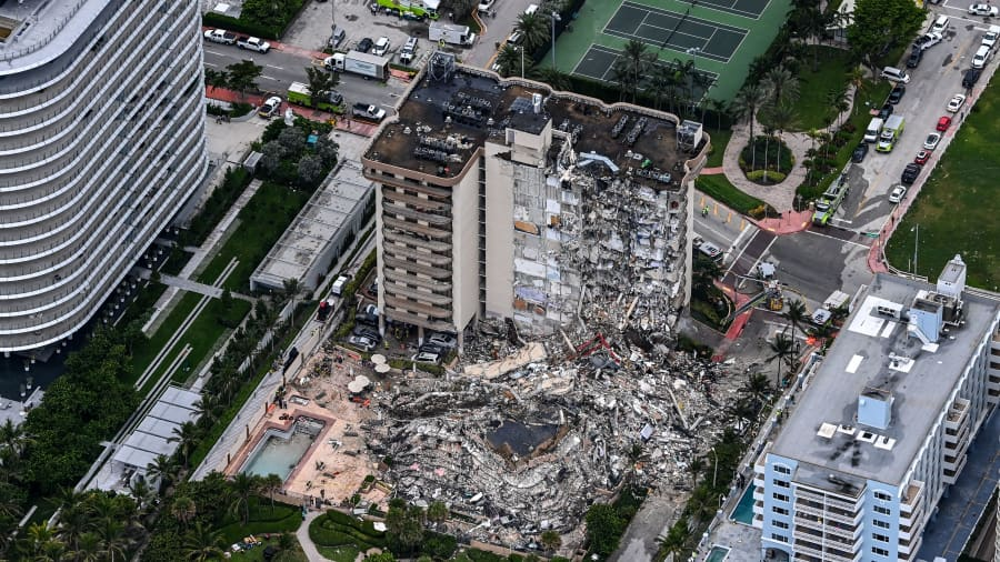Florida building collapse: Eyewitness describes how he helped saved young boy from rubble