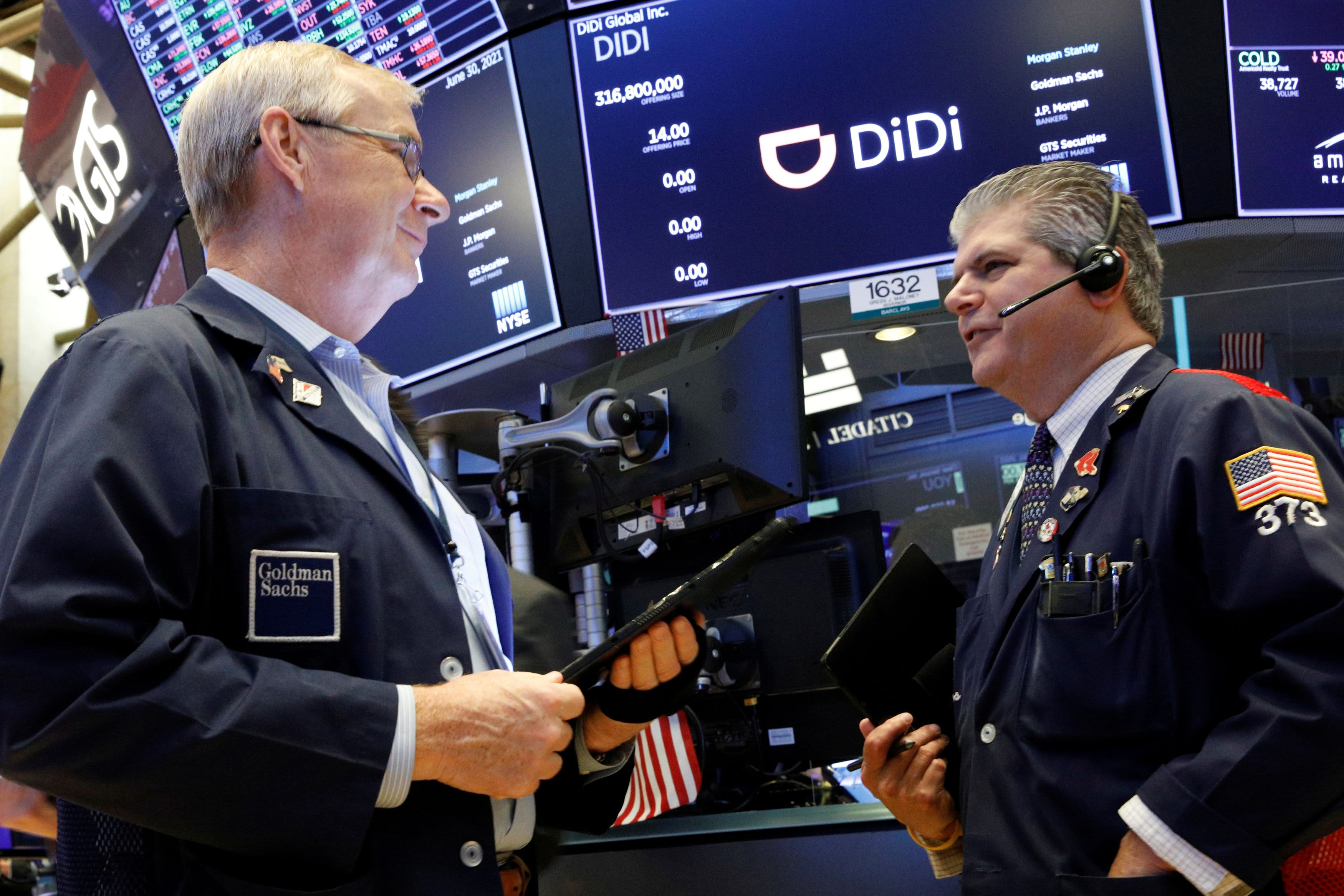 Dow rises 200 points, S&P 500 hits record high as Wall Street wraps up strong very first half of 2021 thumbnail