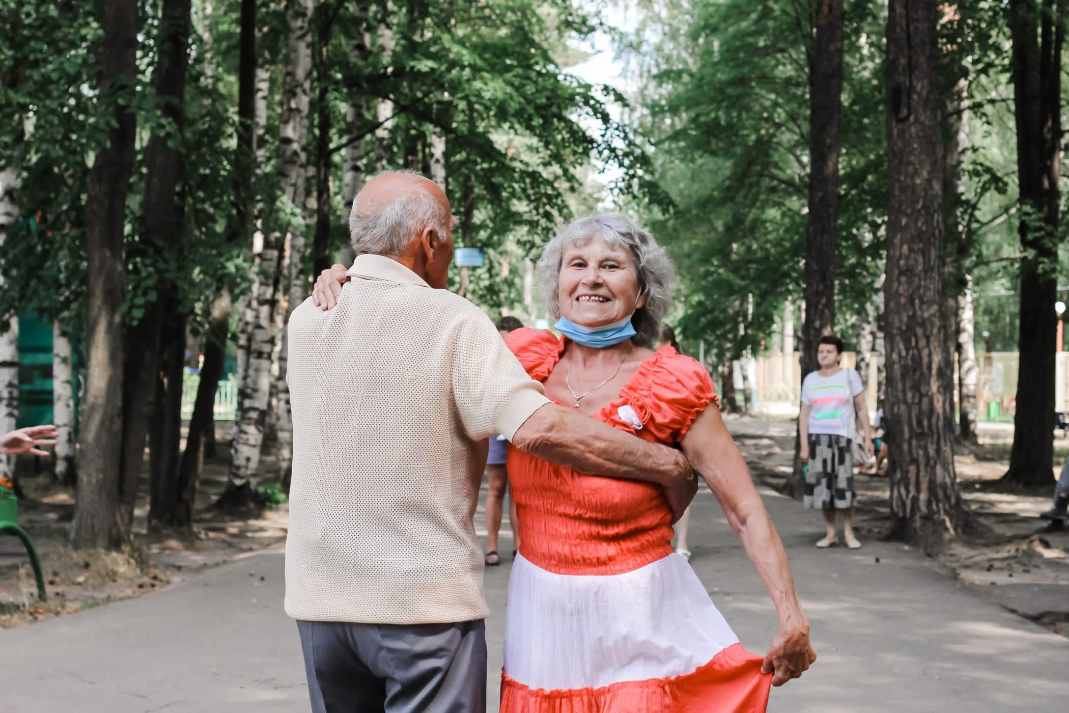 106906190-1625240816505-central-park-active-seniors-young-at-heart-outdoor-activity-summer-holidays-street-dancing_t20_PJvGZr.jpg?v=1625240856