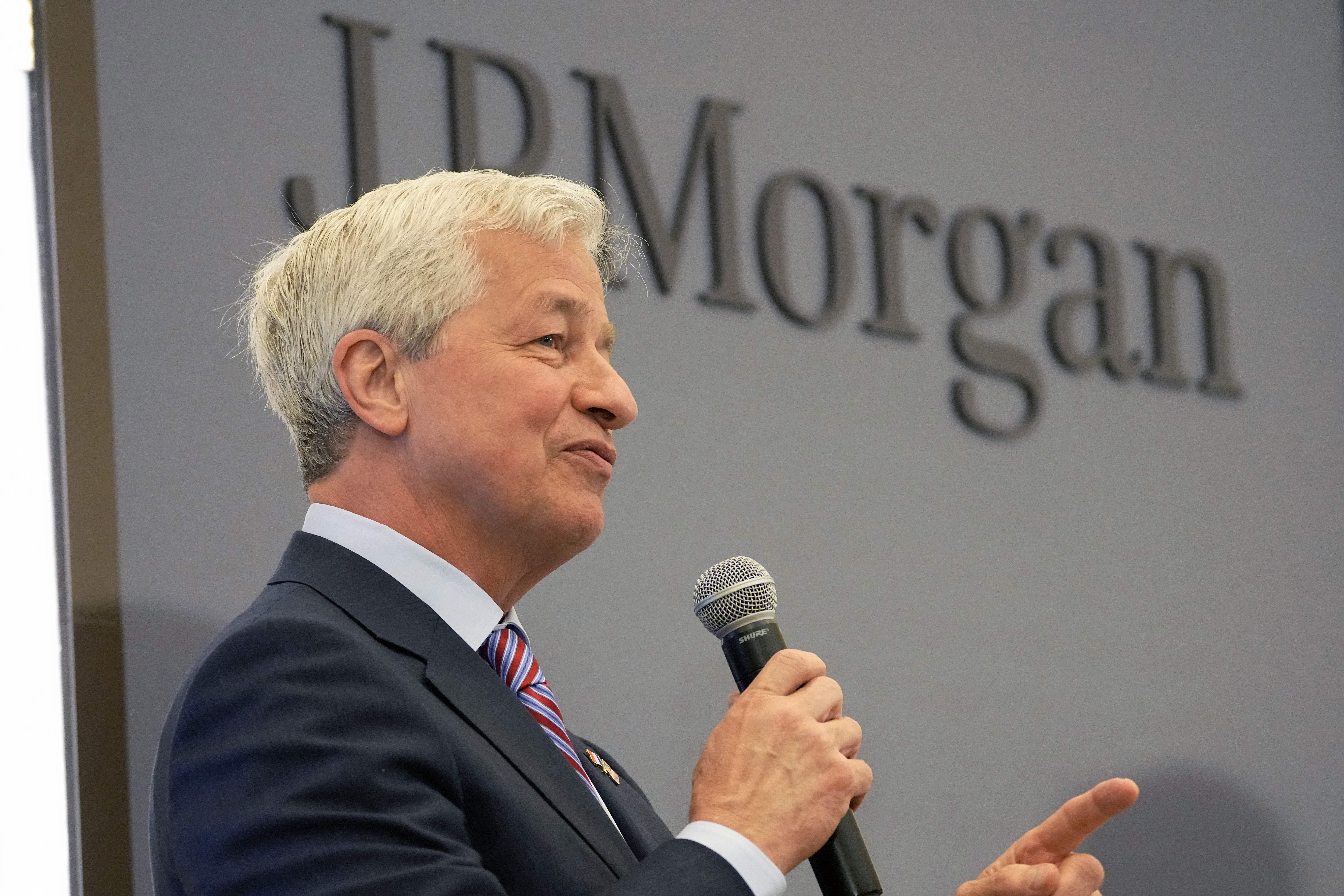 JPMorgan gives Jamie Dimon a special stock option bonus to keep him as CEO for several more years thumbnail