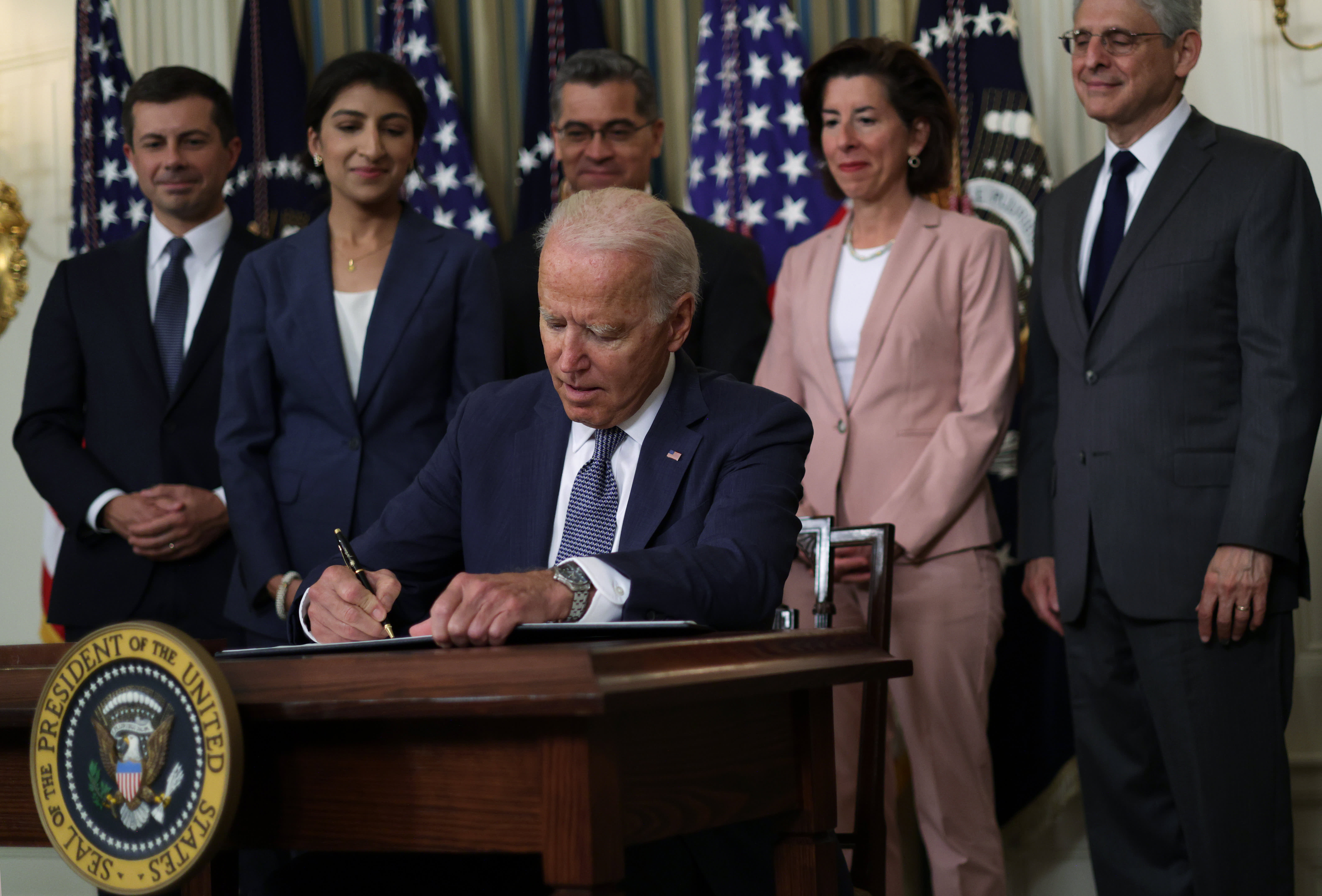 Biden administration aims to rein in abusive non-compete agreements