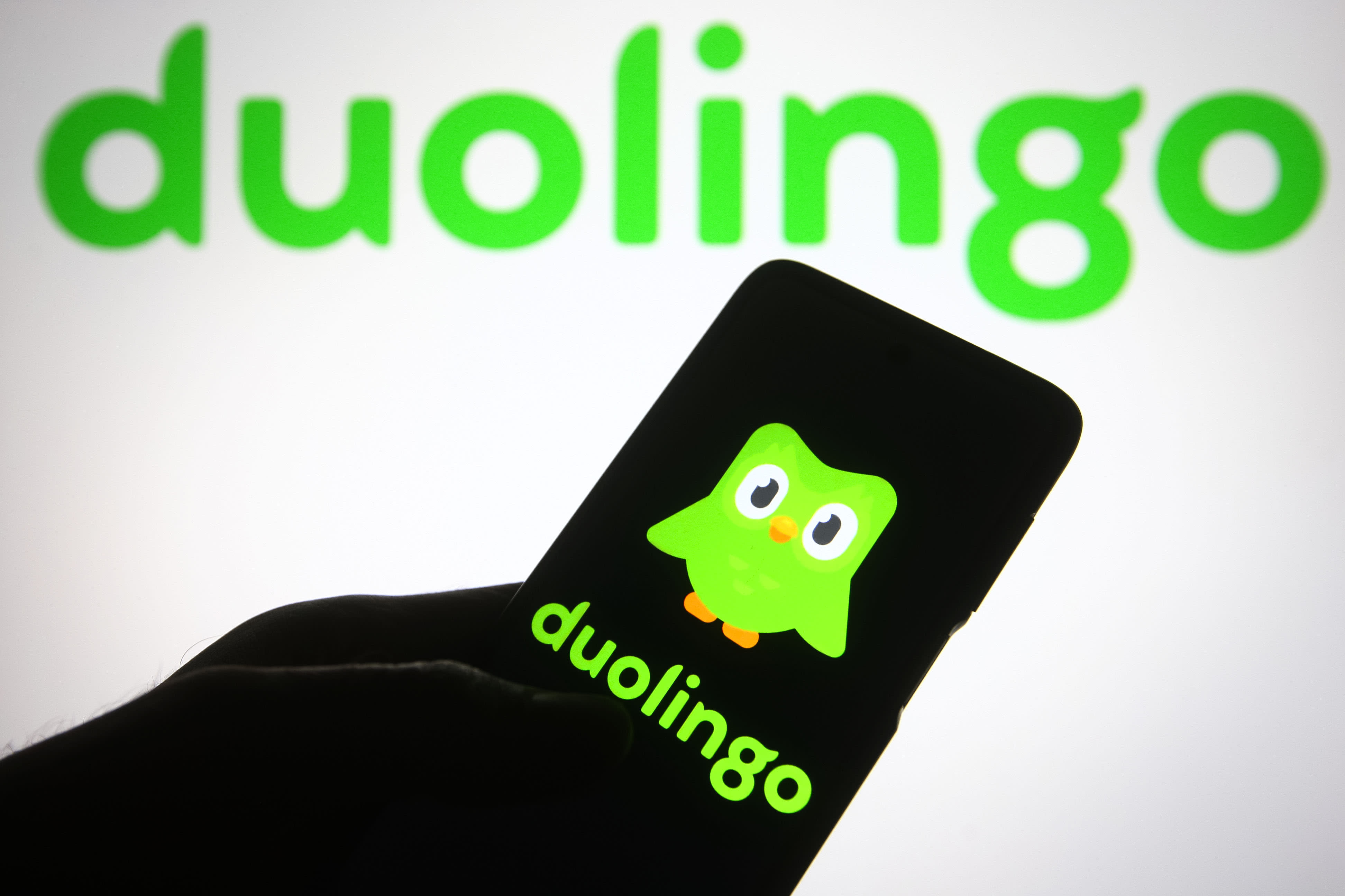 Language-learning app Duolingo pops 35% in public debut on the Nasdaq - CNBC