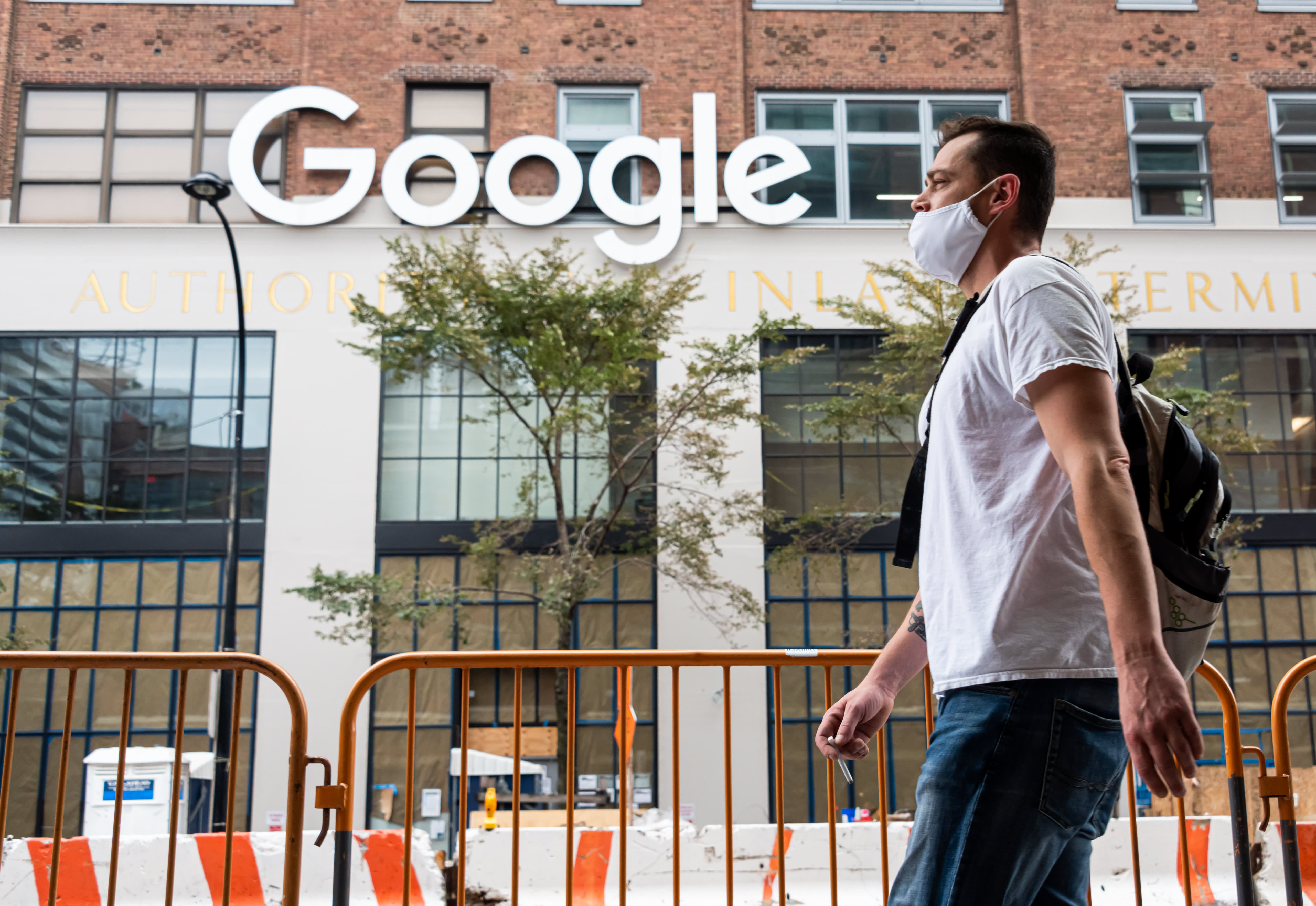 Google postpones return to work until October, will require vaccinations - CNBC