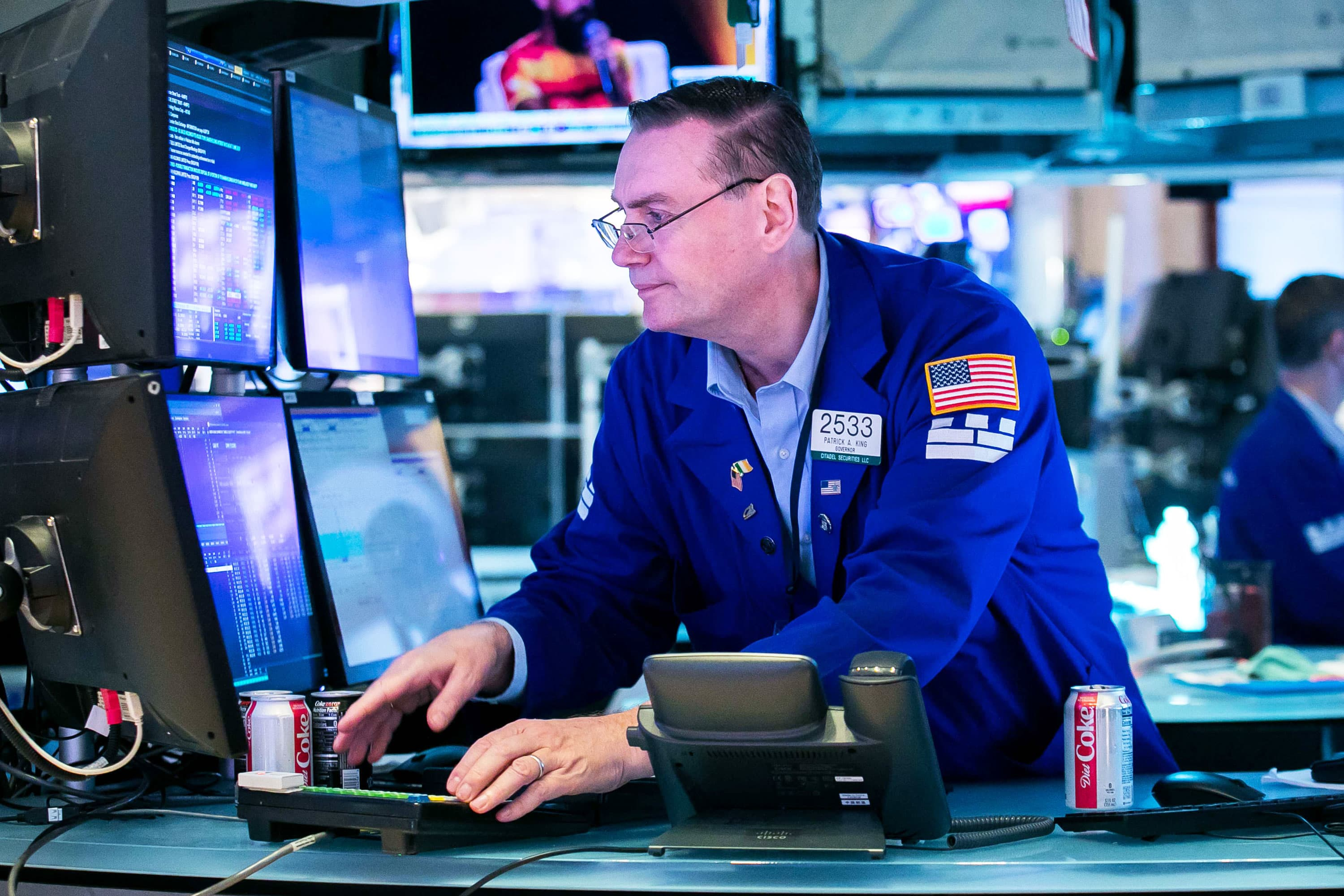 Stock futures are flat after S&P 500 closes at another record high