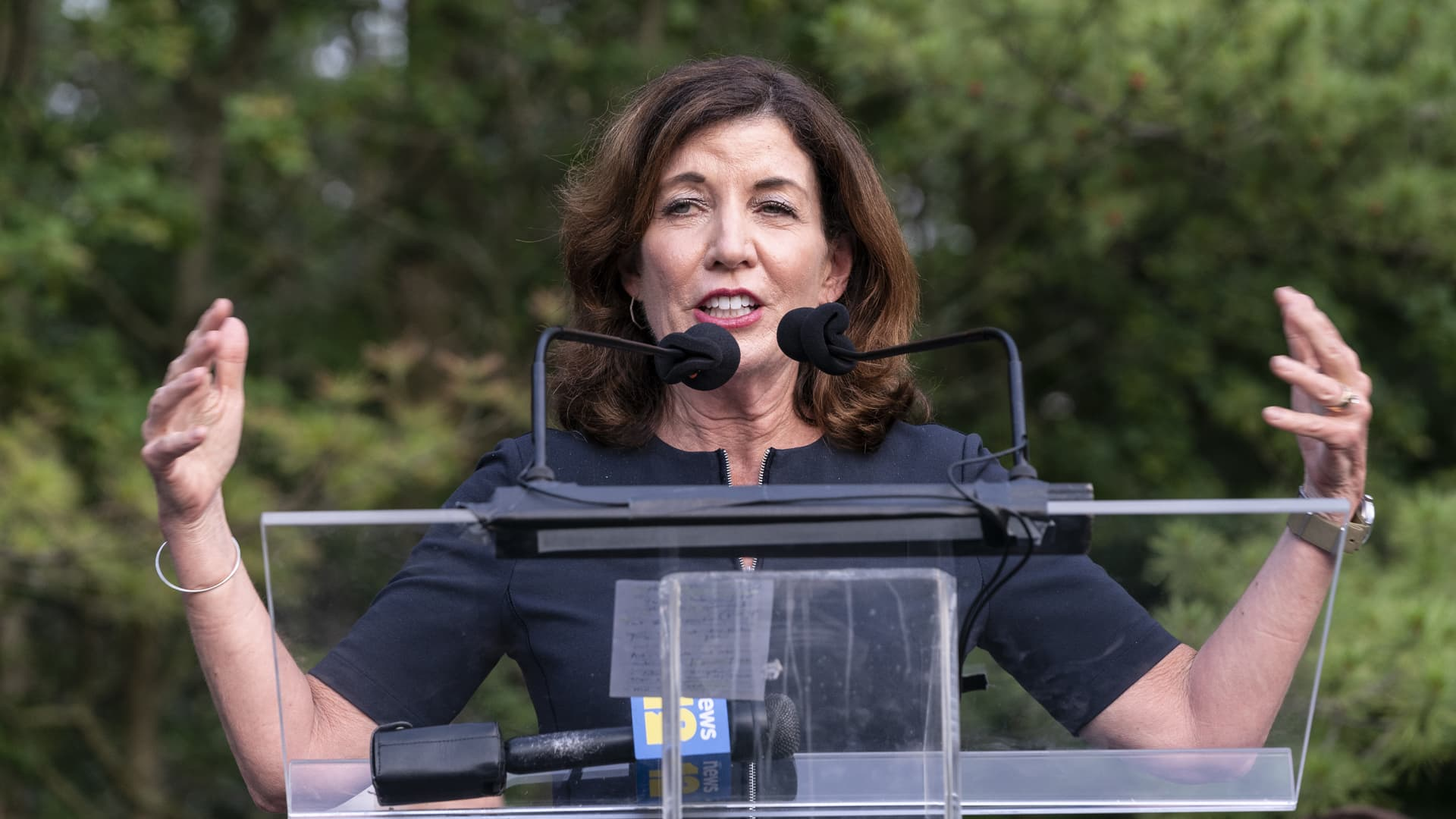 Lieutenant Governor Kathy Hochul speaks at Westchester stands united against anti-semitism and hate rally at Jewish Community Center of Mid-Westchester.