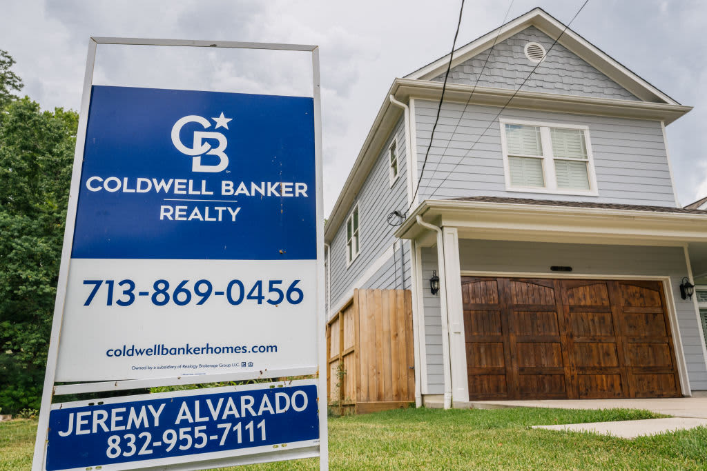 Sales of existing homes rose in September, likely due to a brief decline in mortgage rates