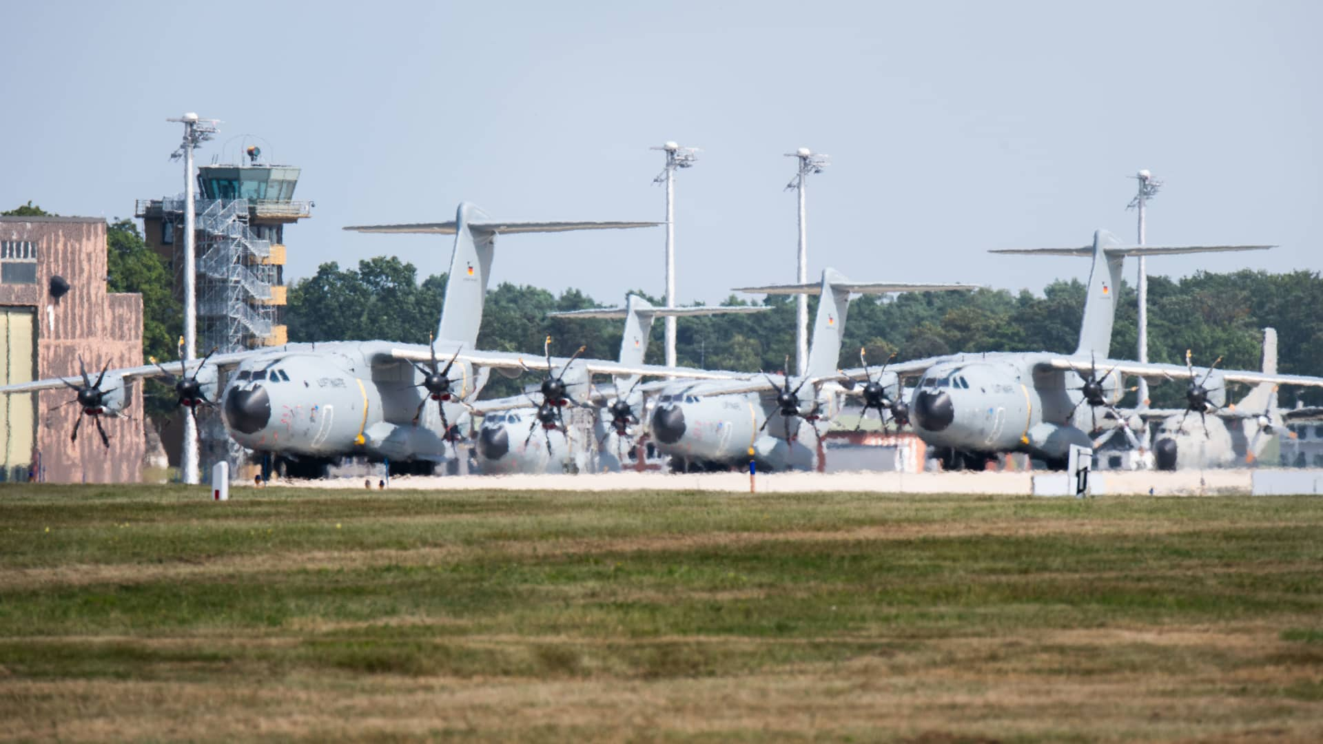 Airbus A400M transport aircraft of the German Air Force stand at the Wunstorf air base in the Hanover region. In view of the rapid advance of the Taliban in Afghanistan, the Bundeswehr plans to begin evacuating German citizens and local Afghan forces from Kabul on Monday Aug. 16th.